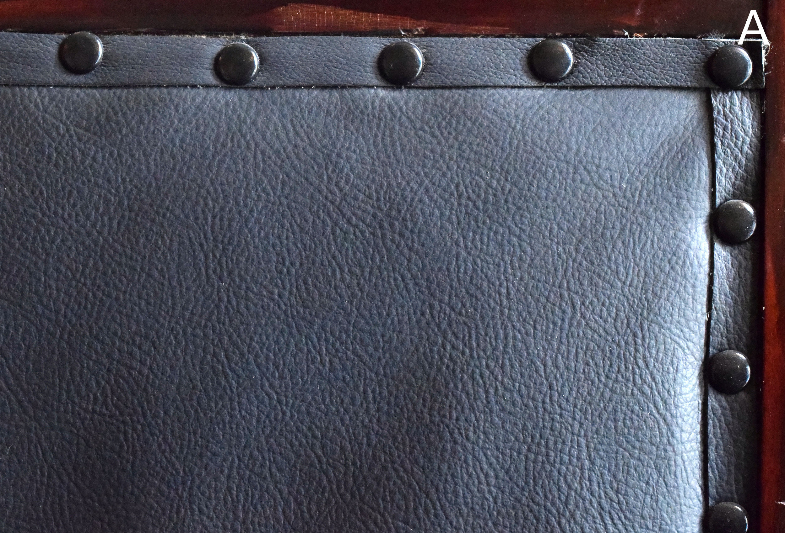 47054-straight-courhouse-bench-leather-detail.jpg