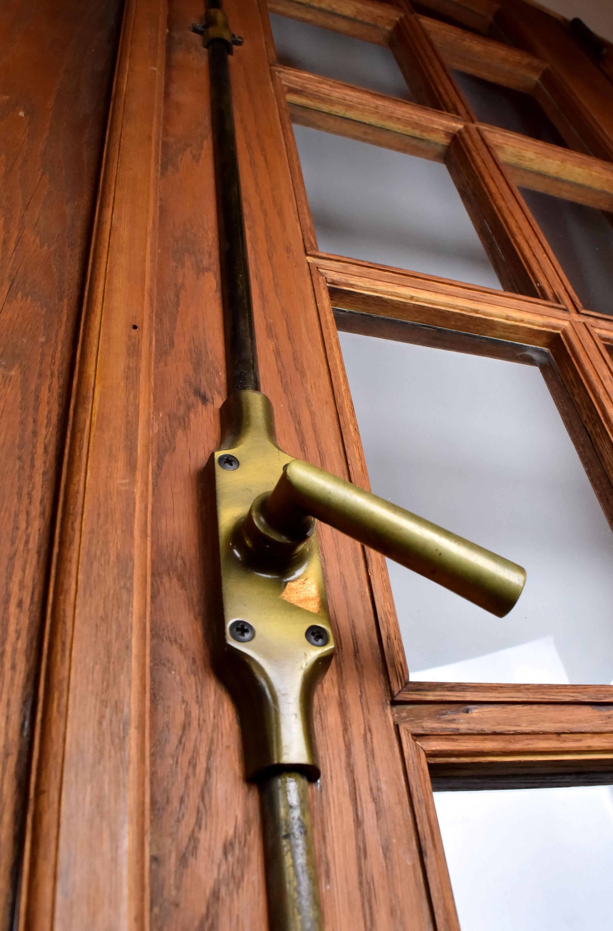 47088-arched-door-unit-handle-detail.jpg
