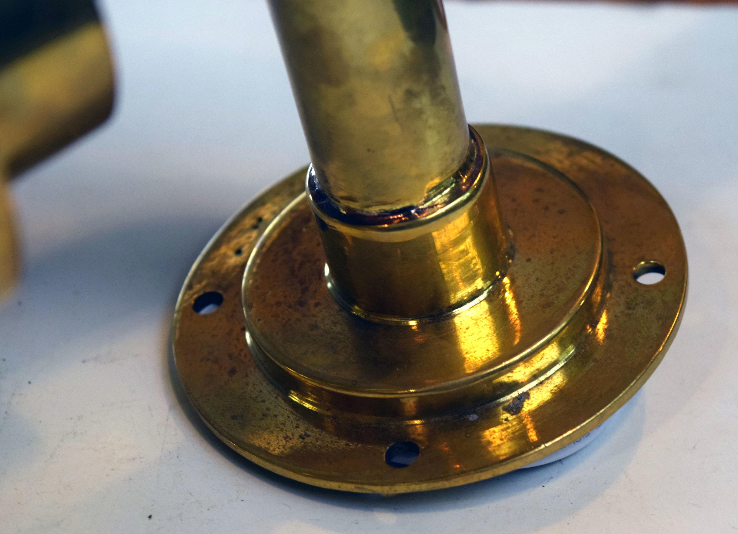 47183-small-brass-ship-light-detail.jpg