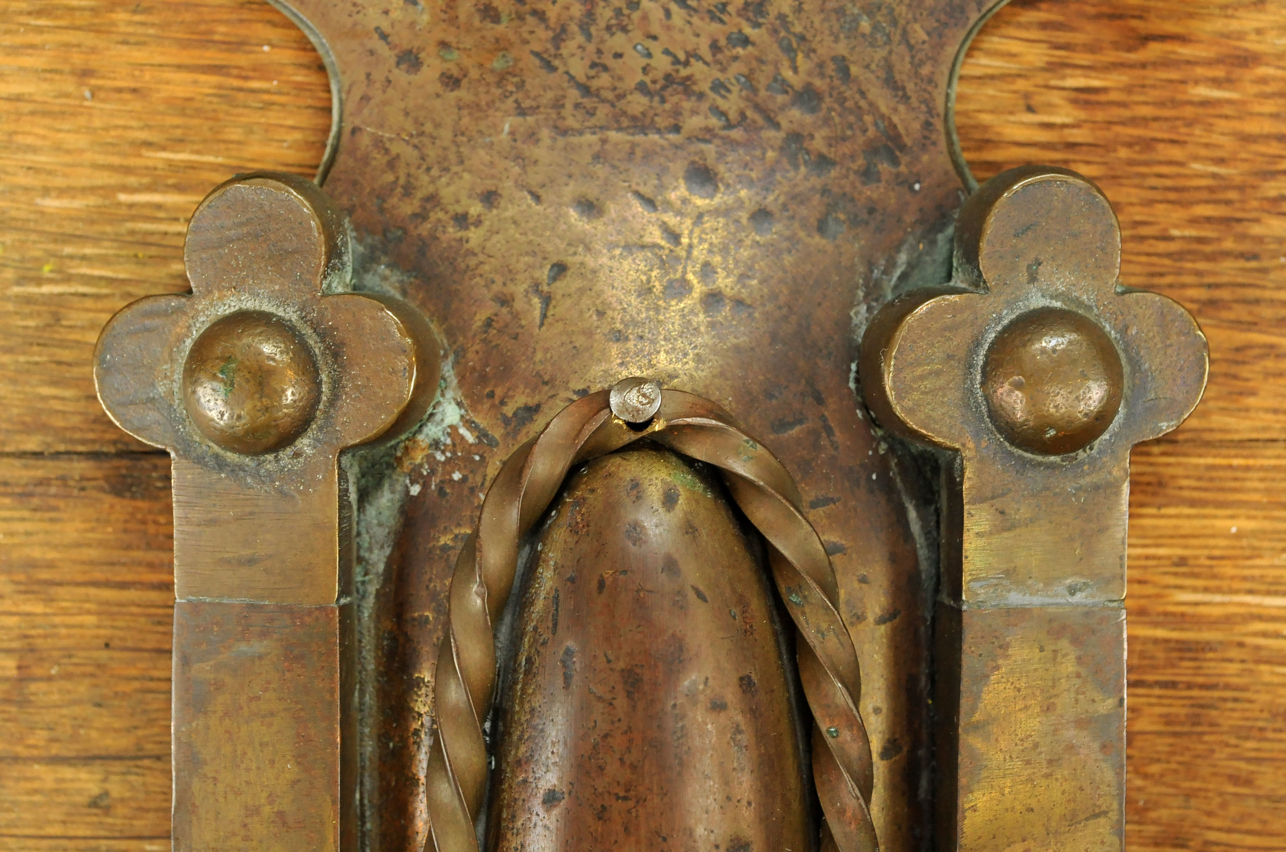 47171-two-arm-brass-tudor-sconce-details.jpg