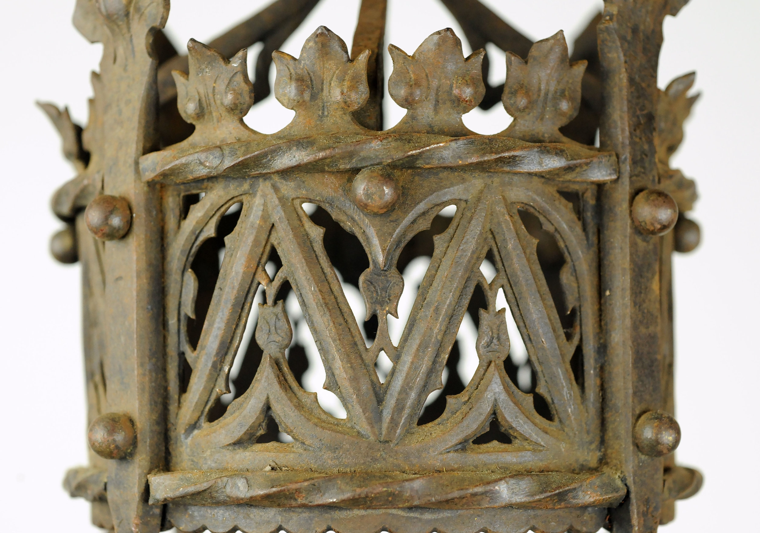 47170-tudor-4-candle-chandelier-metal-detail.jpg