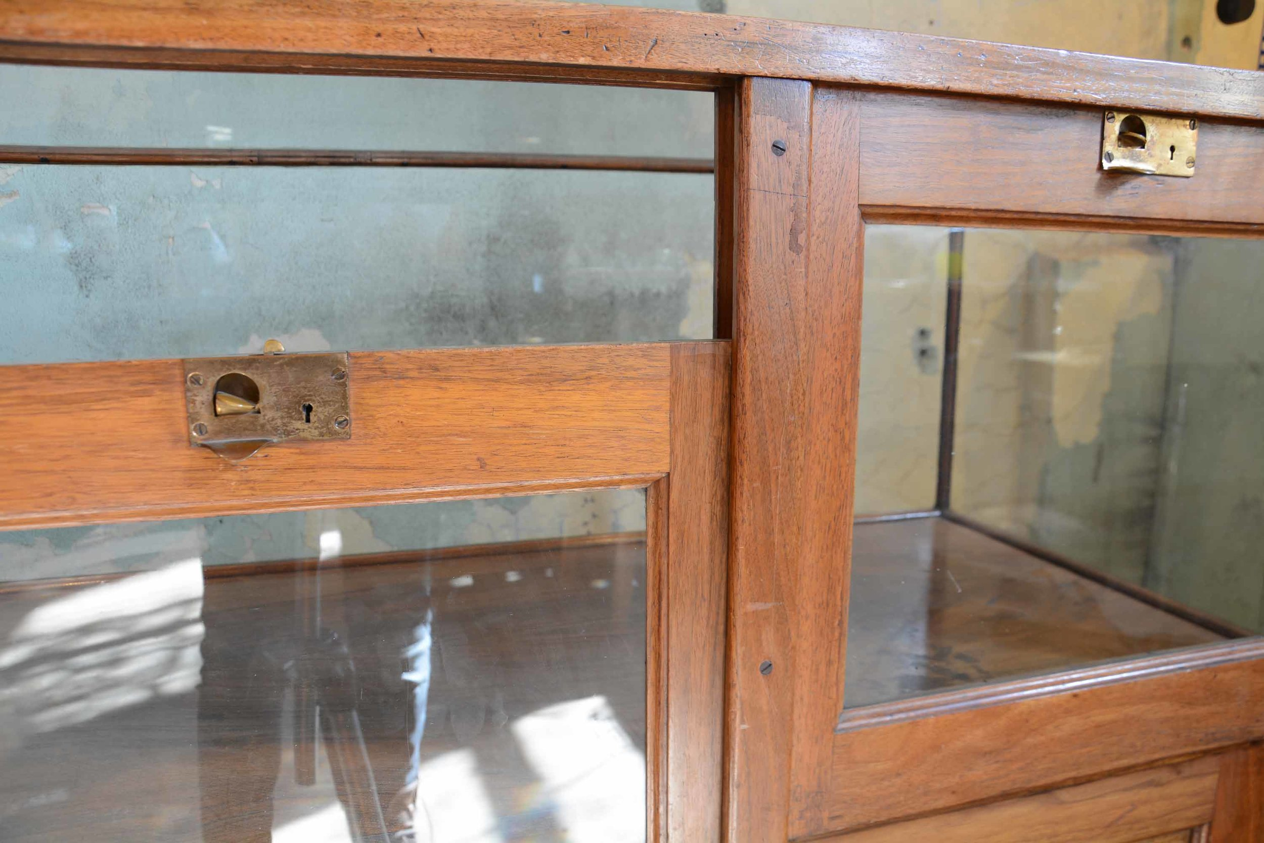46917-display-case-with-drawers-BACK-DETAIL.jpg