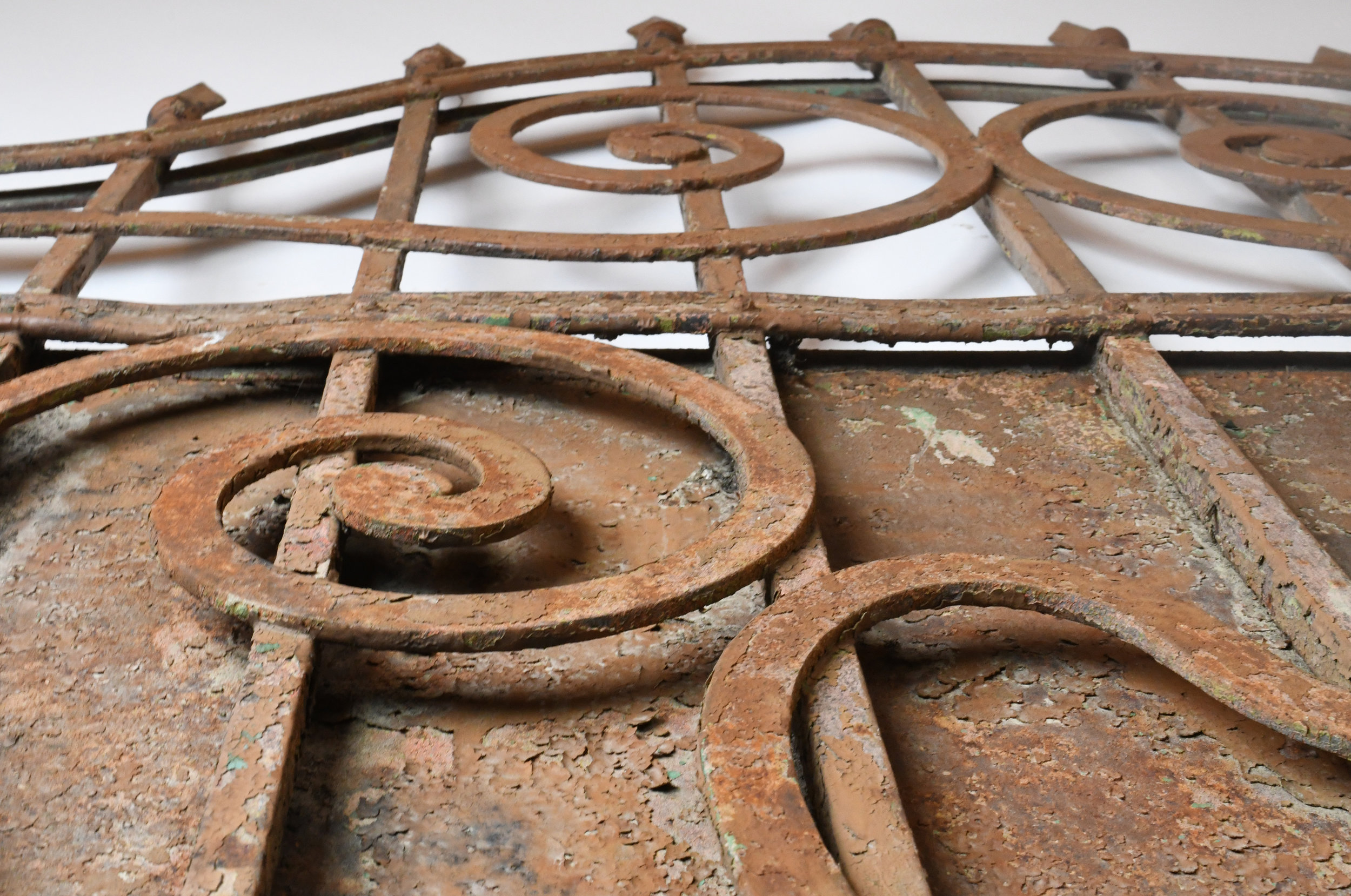 47498-Arched-iron-gate-detail-2.jpg