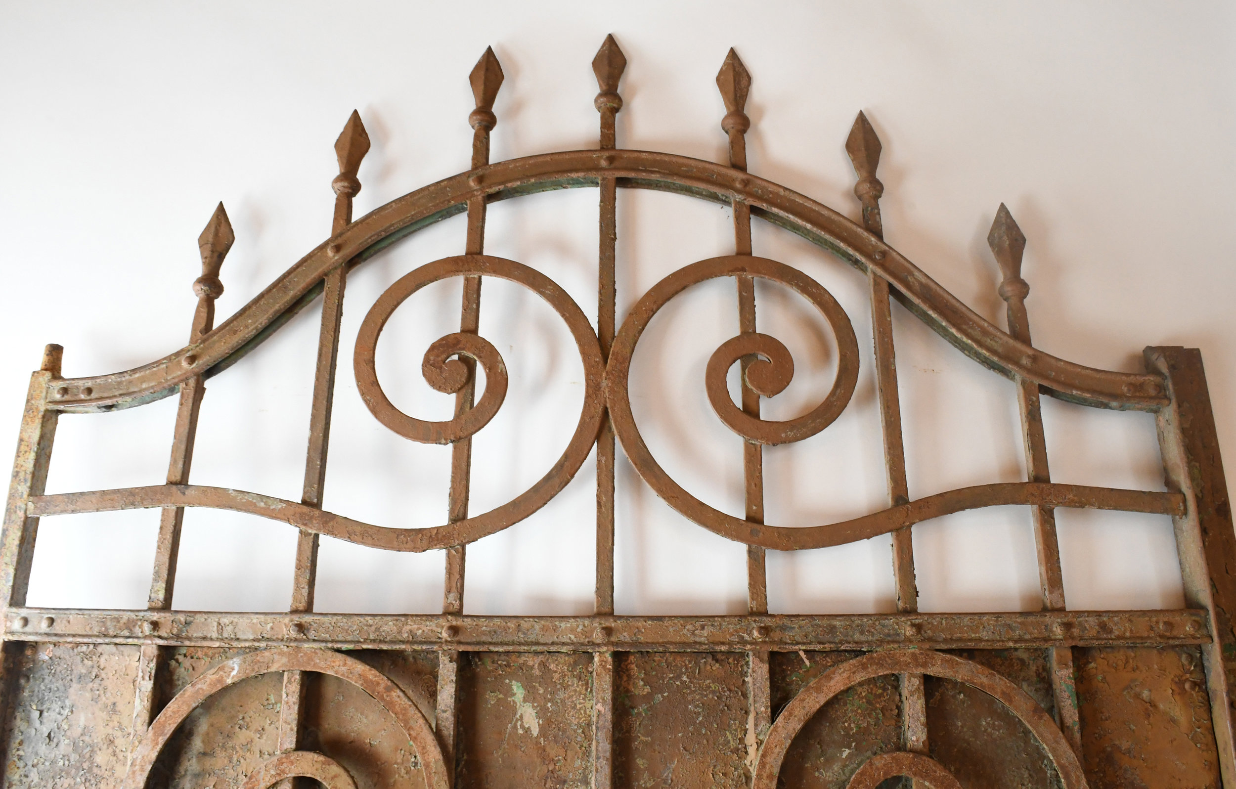 47498-Arched-iron-gate-detail-8.jpg