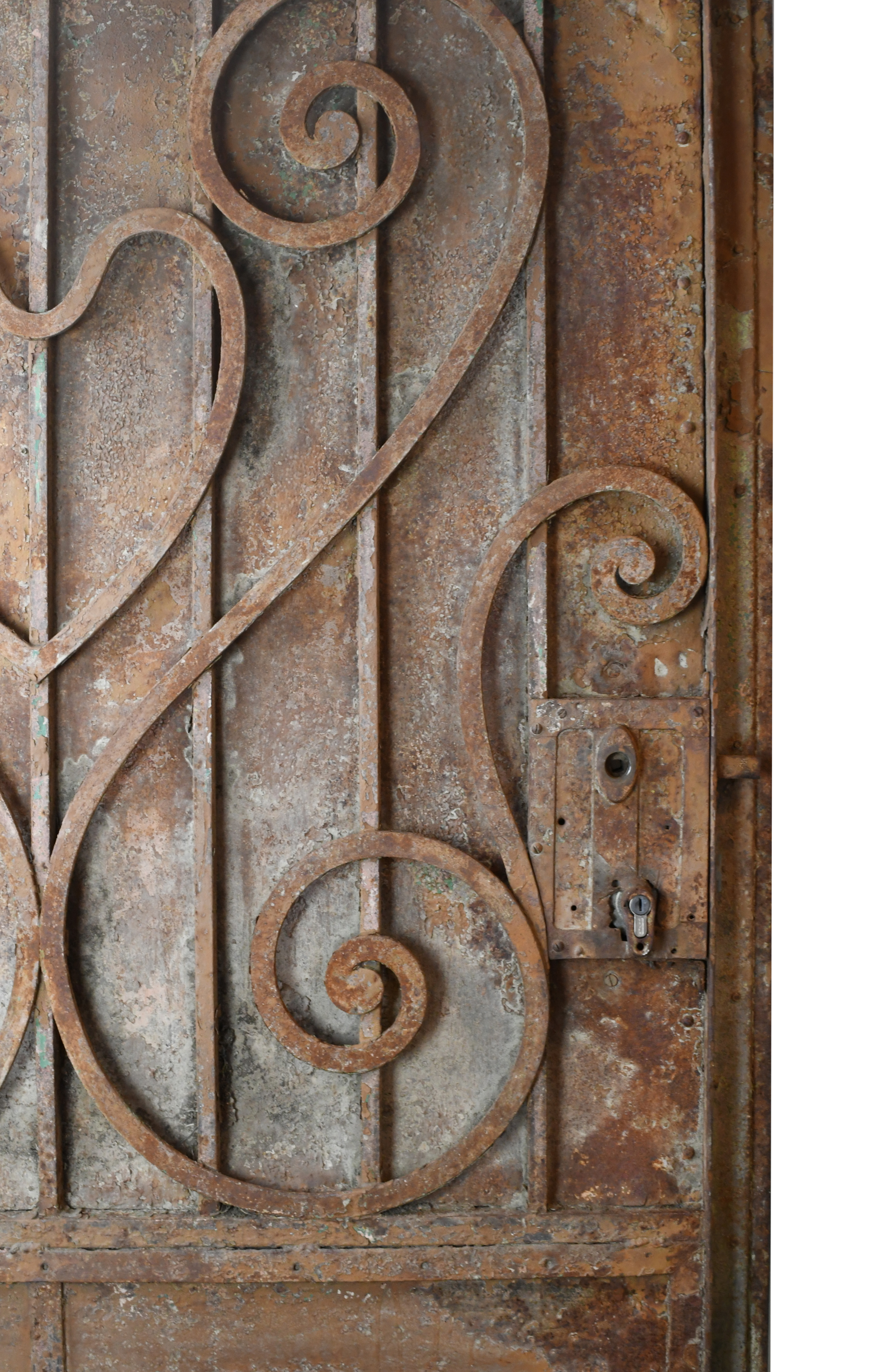 47498-Arched-iron-gate-detail-17.jpg