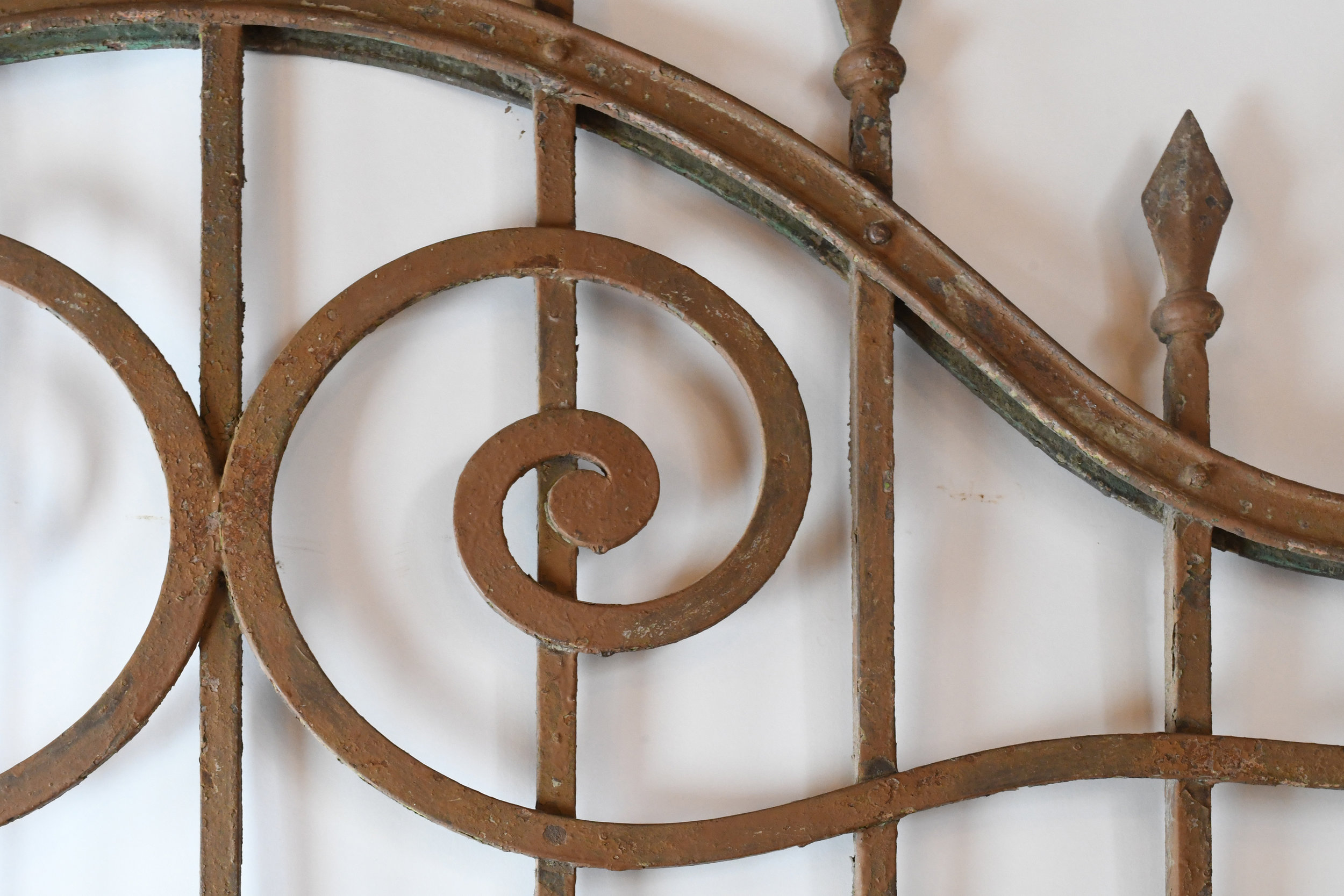 47498-Arched-iron-gate-detail-23.jpg