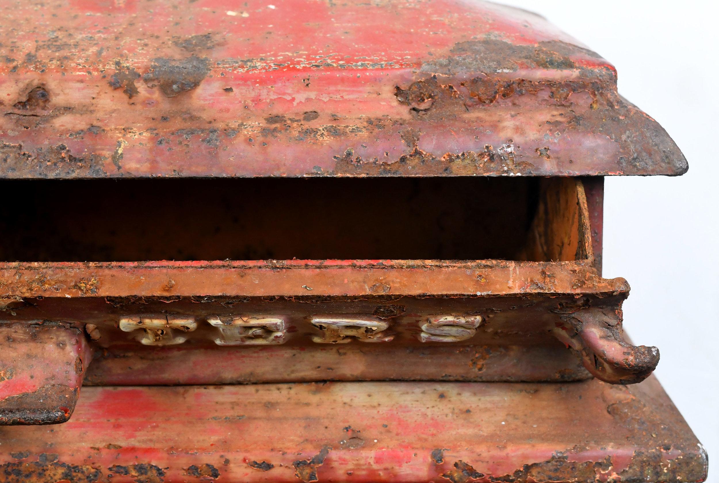 47478-iron-mailbox-letters-slot.jpg