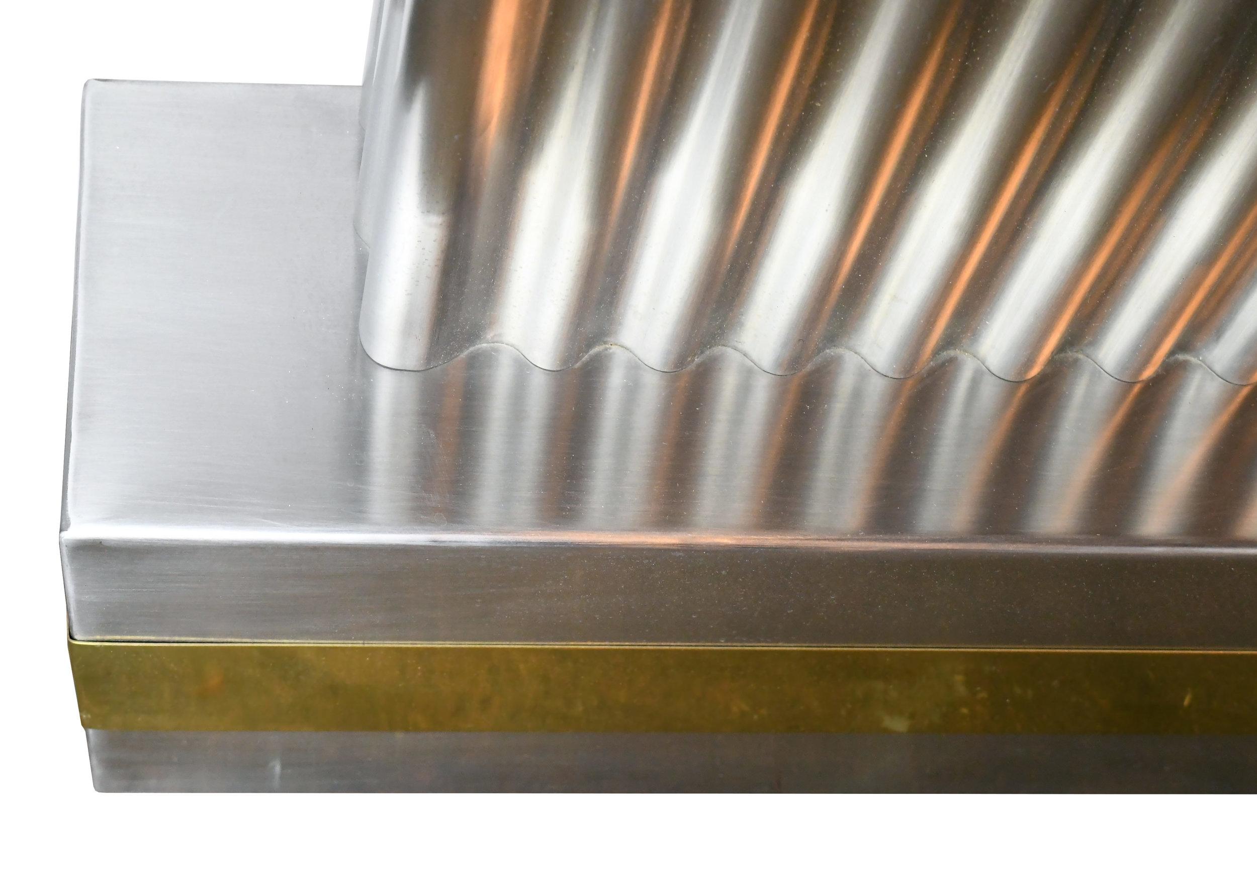 47579 modern sculptural wall fixture bottom detail.jpg
