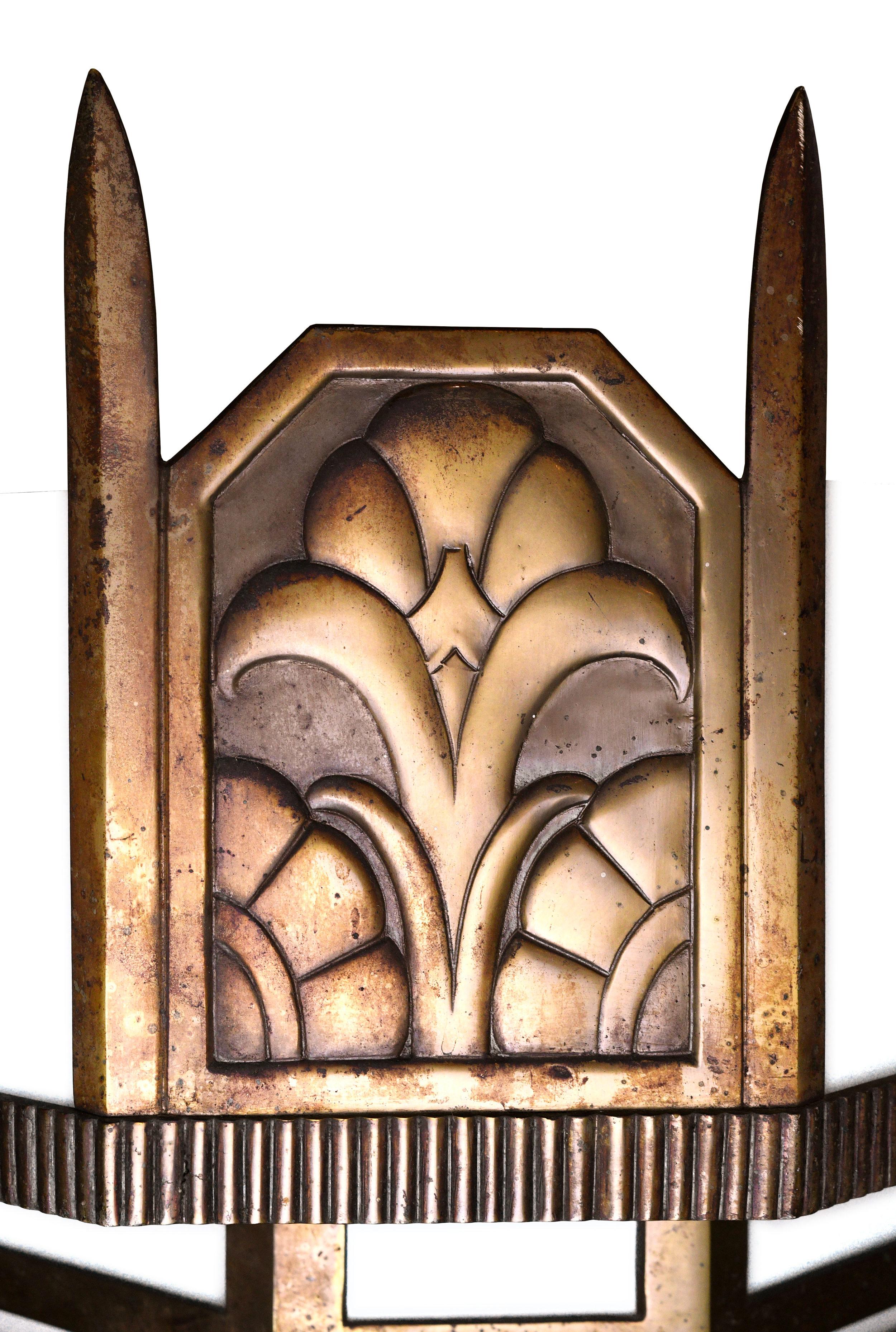 47607-art-deco-rectangular-light-floral-details.jpg
