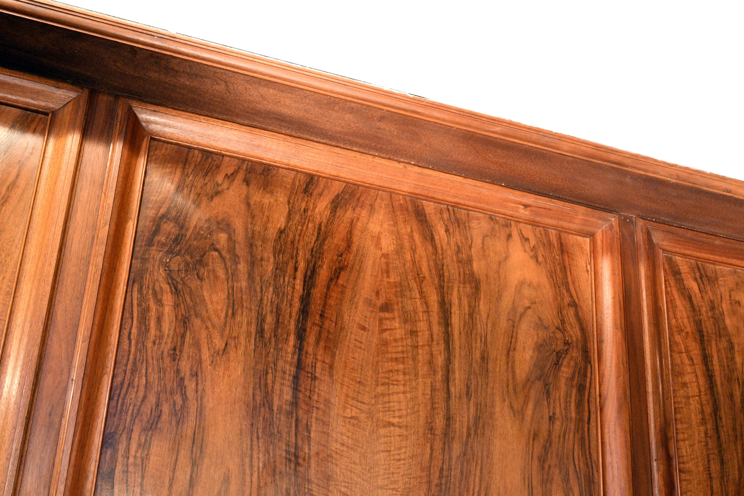 47615-burled-walnut-mantel-upper-detail.jpg