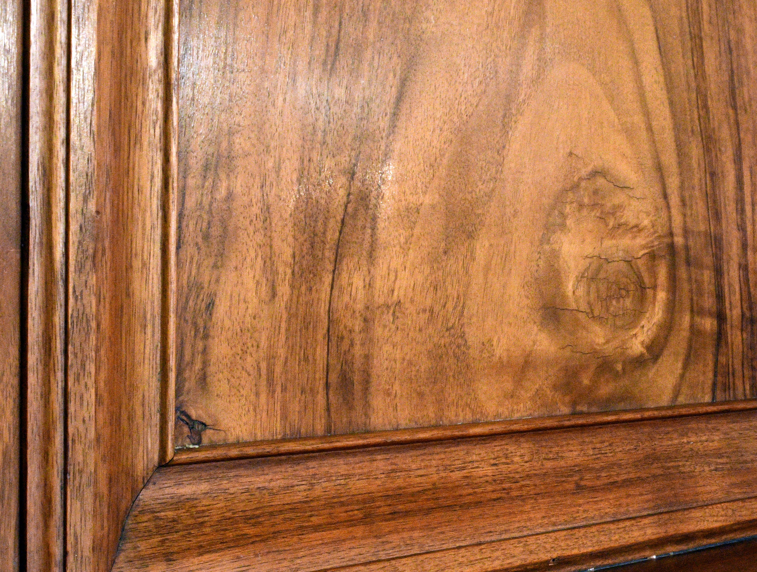 47615-burled-walnut-mantel-wood-detail.jpg