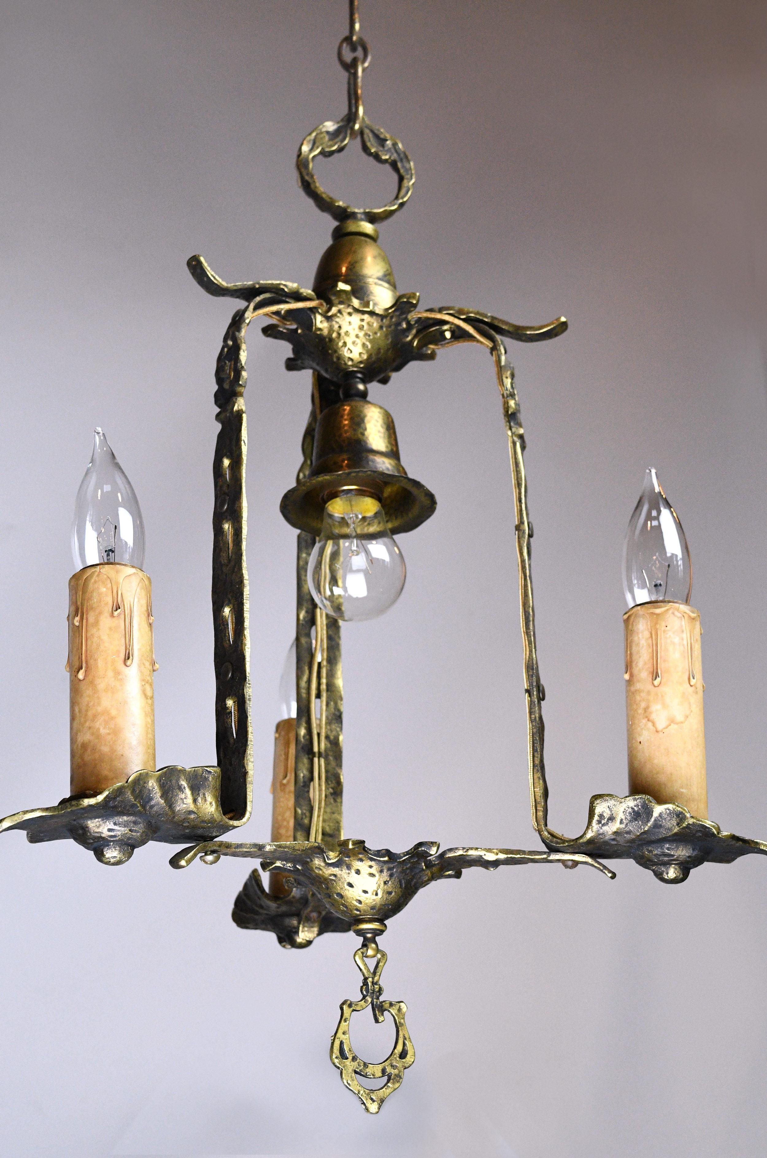 47443-tudor-three-candle-pendant-base-detail.jpg