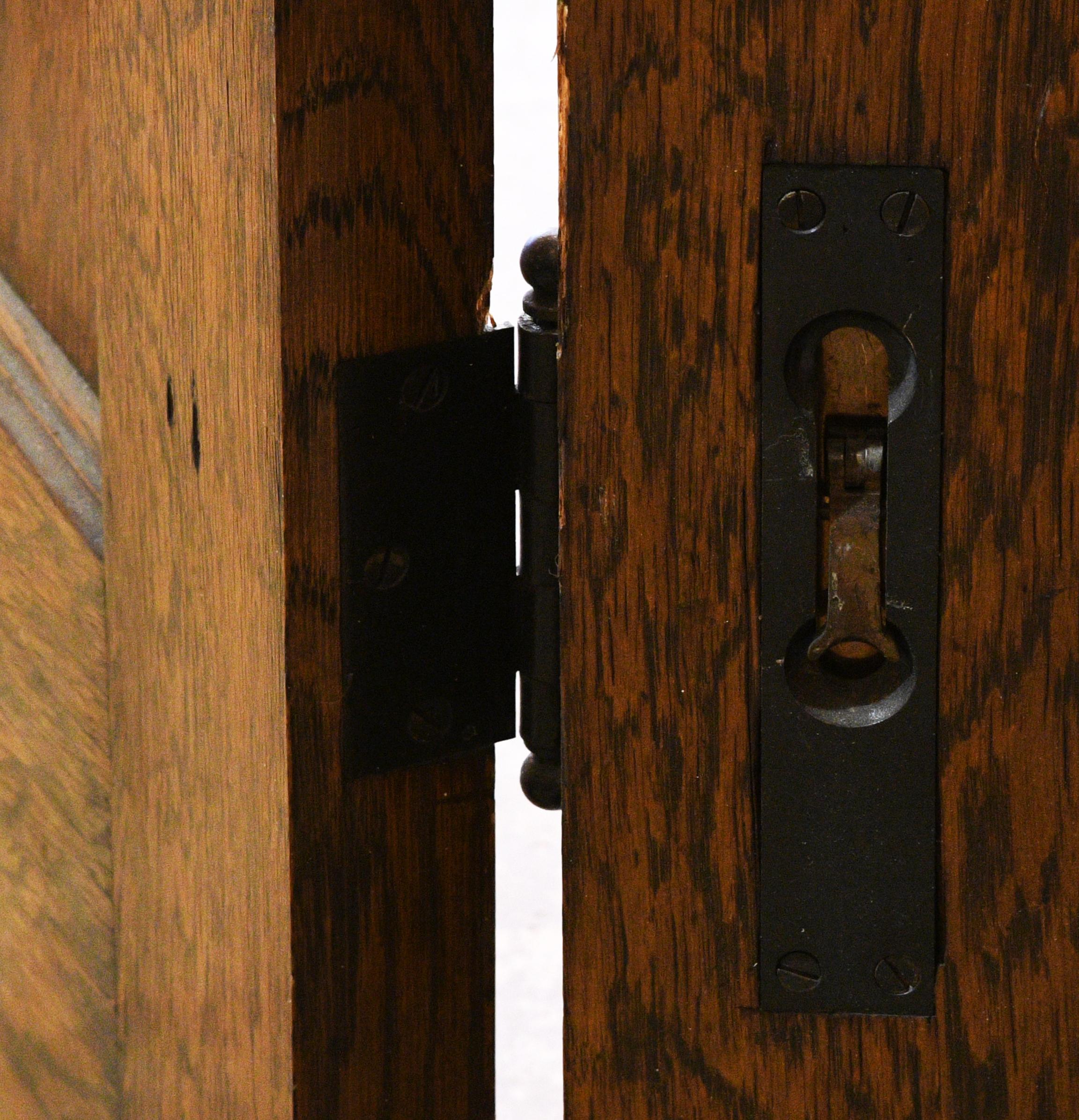 47640-5-door-bifold-unit-16.jpg