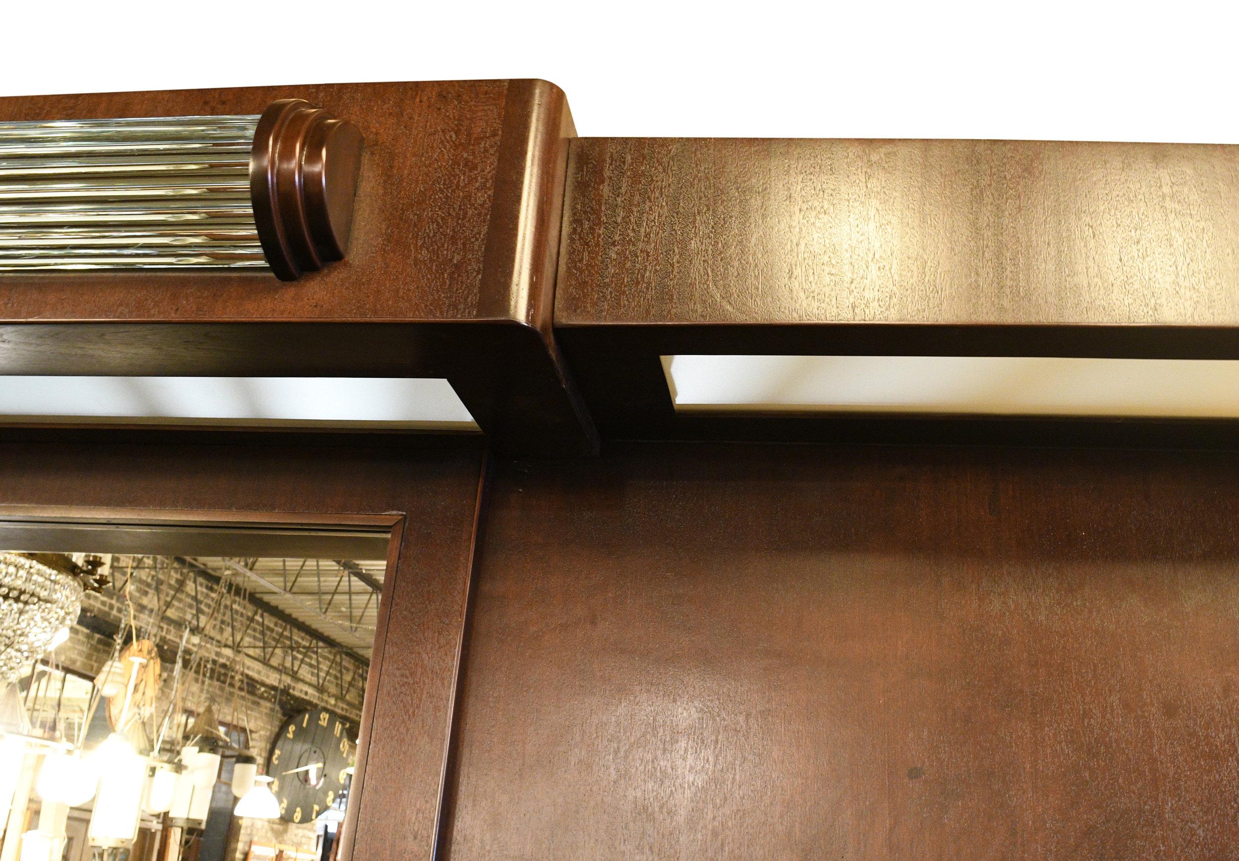 47687-art-deco-bar-with-glass-rods-details-9.jpg
