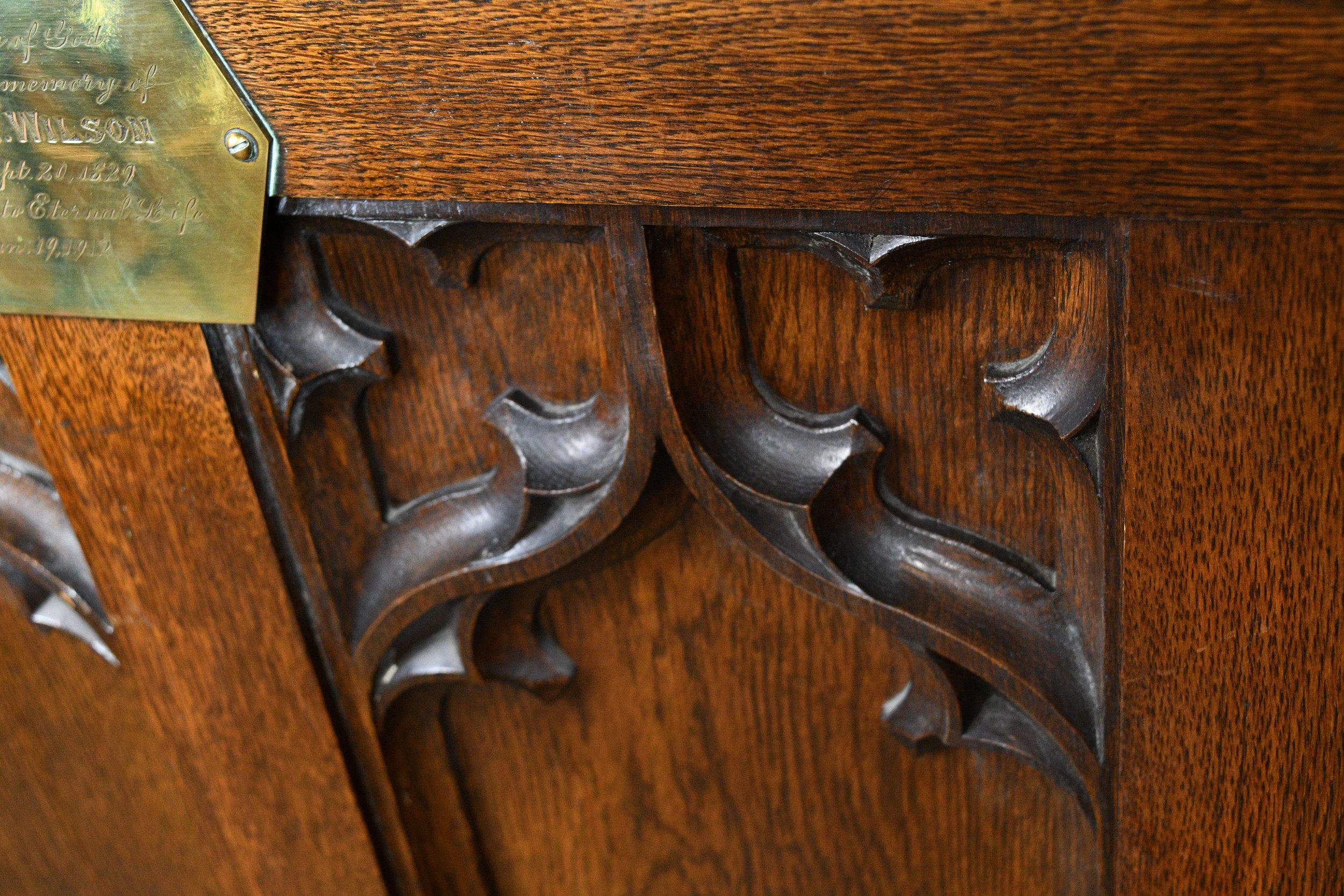47682-oak-kneeler-close-up-5.jpg