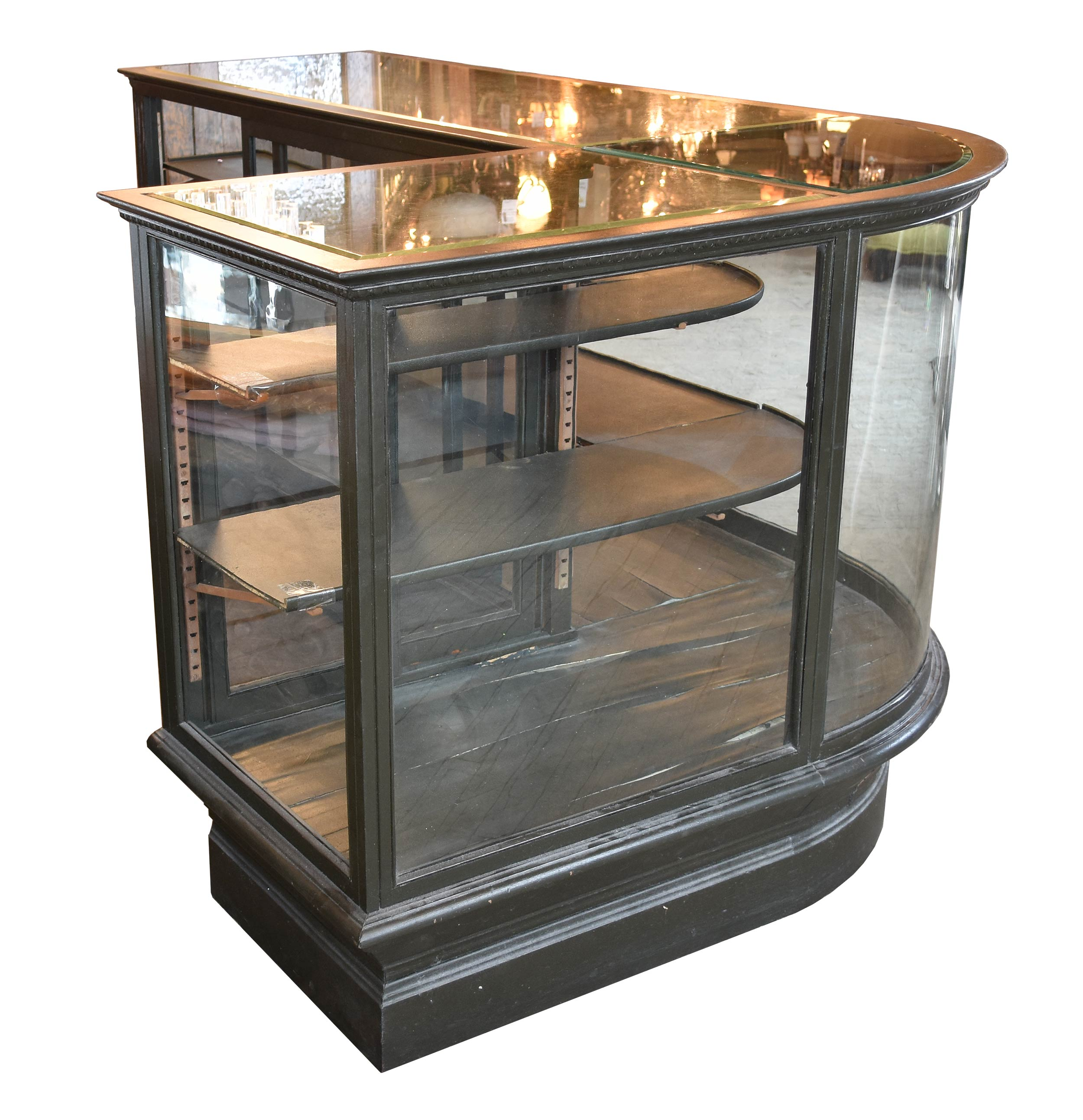 47702 curved display case 3.jpg