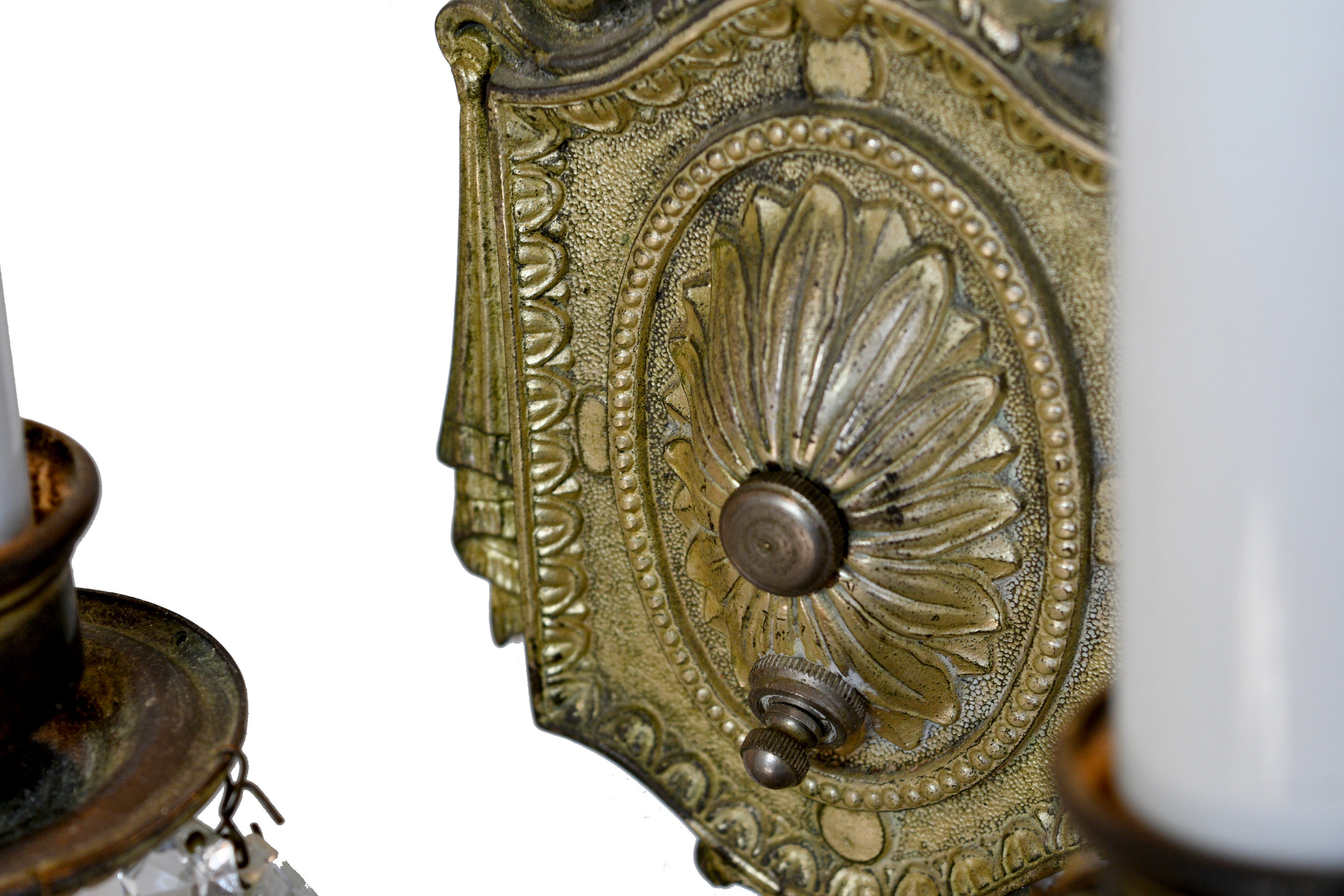 44561-silver-sconce-with-crystals-2-arm-2.jpg