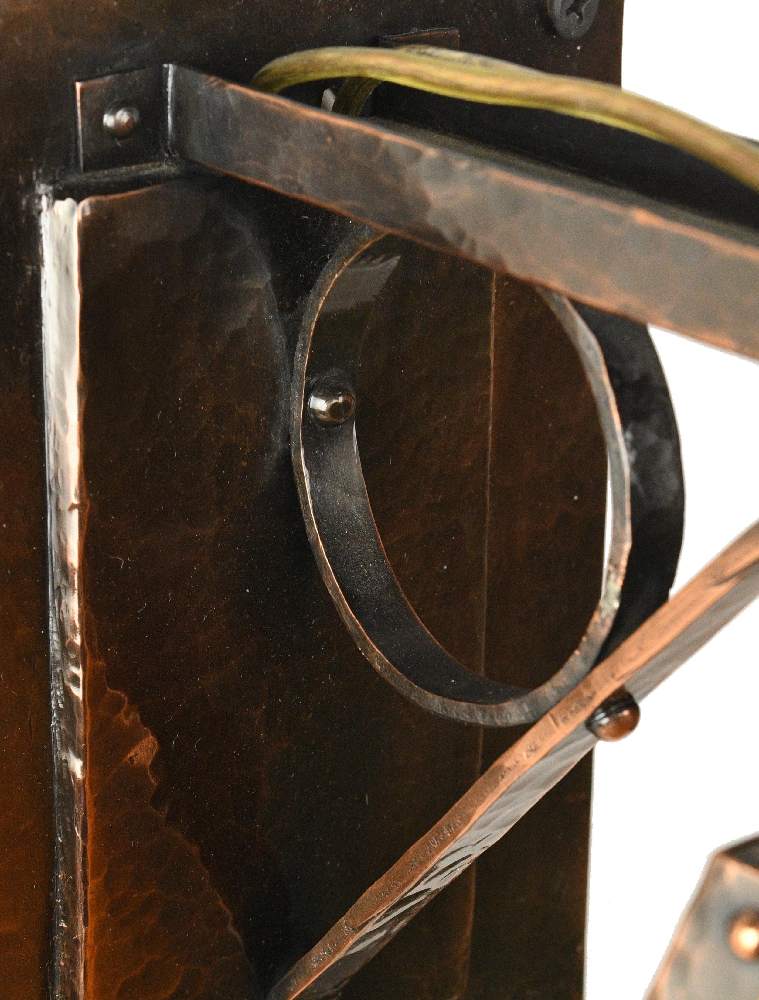 47771-slag-glass-bracket-sconce-close-2.jpg