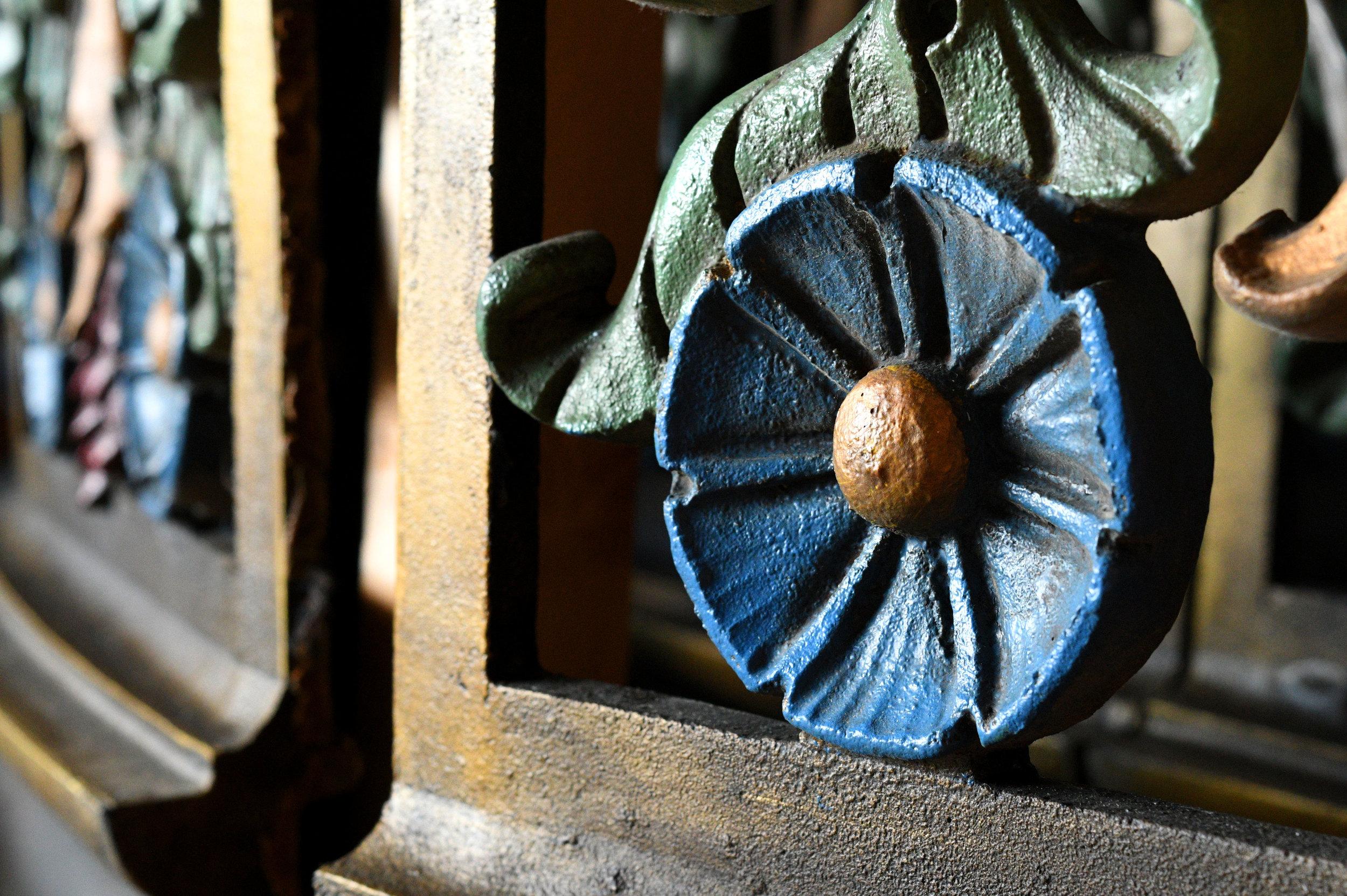 47783-massive-theater-pendant-panel-crate-blue-flower.jpg