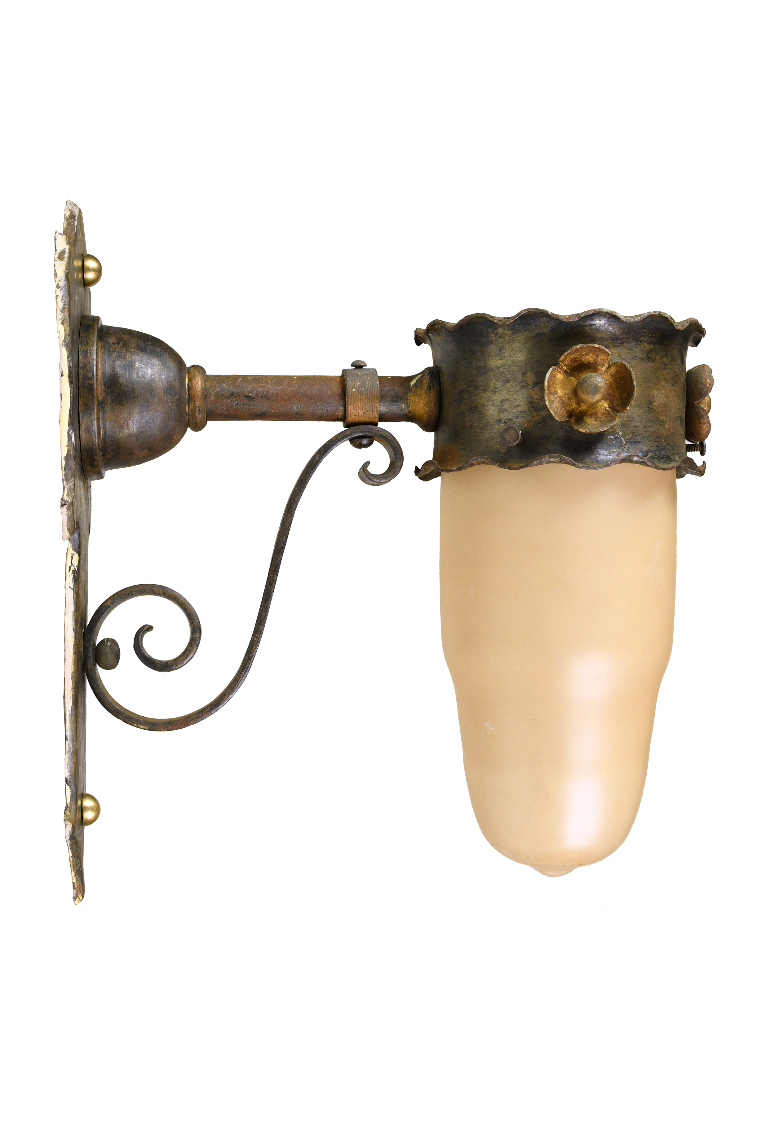 47861-brass-tudor-sconce-profile.png