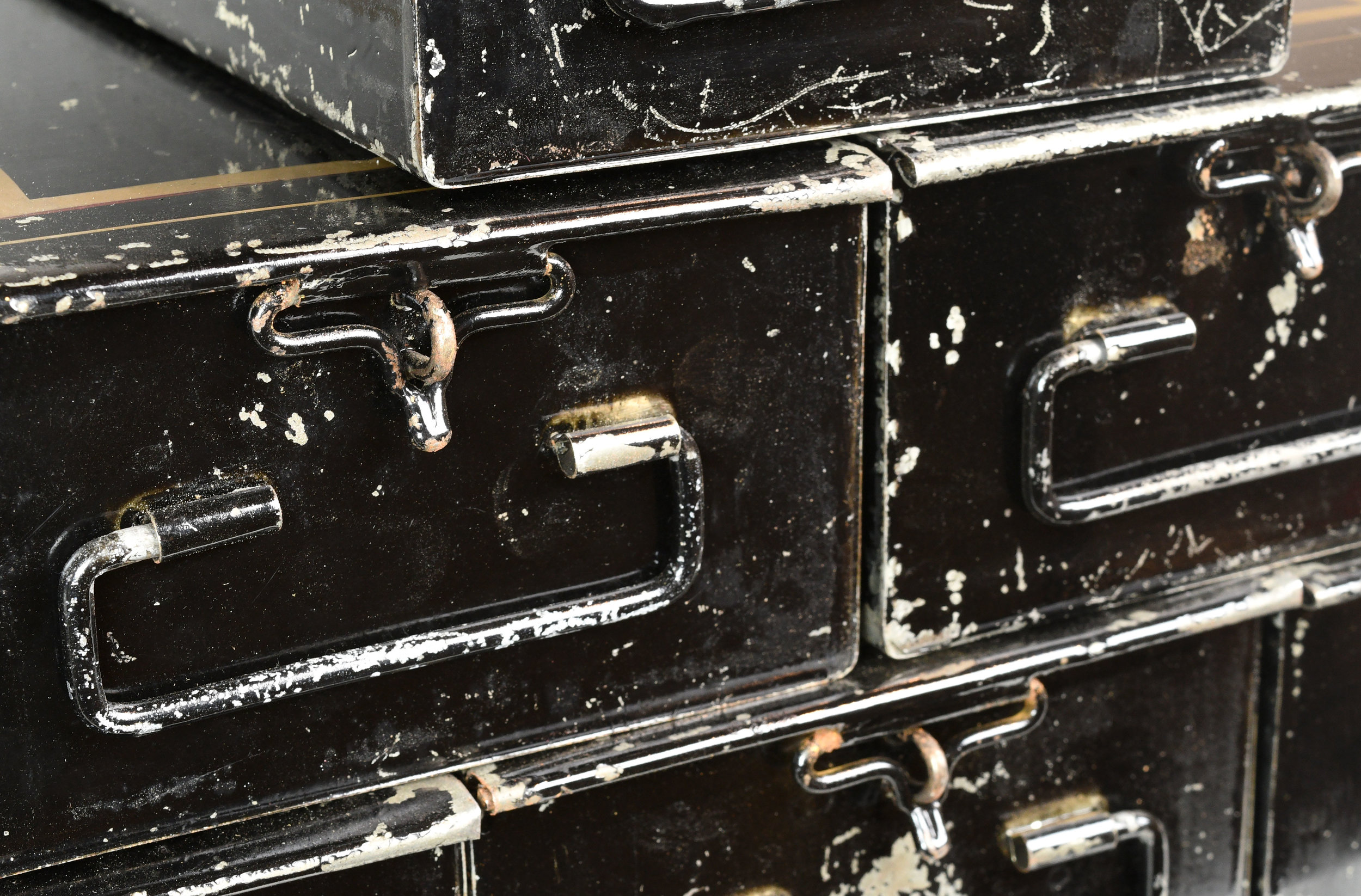 47863-safety-deposit-box-detail.jpg