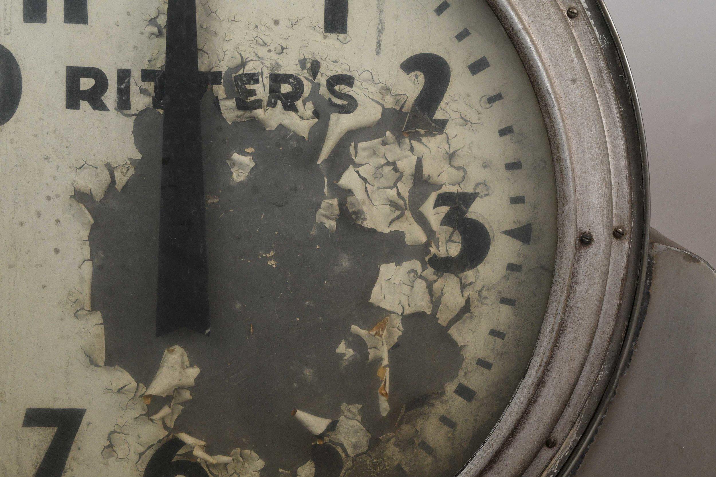 47734_largerittersclock_detail2.jpg