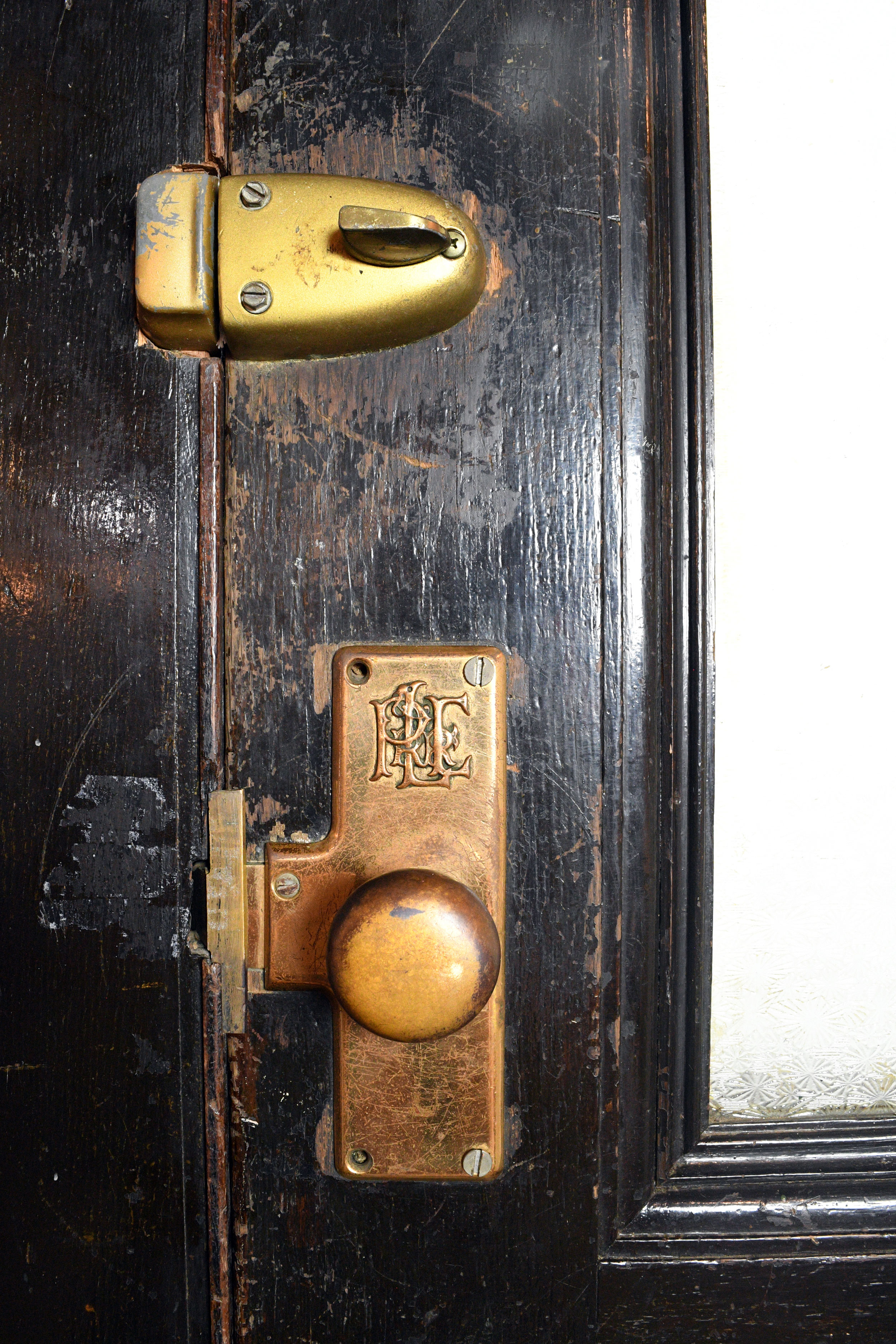 47932-ple-railroad-double-doors-handle-lock.jpg