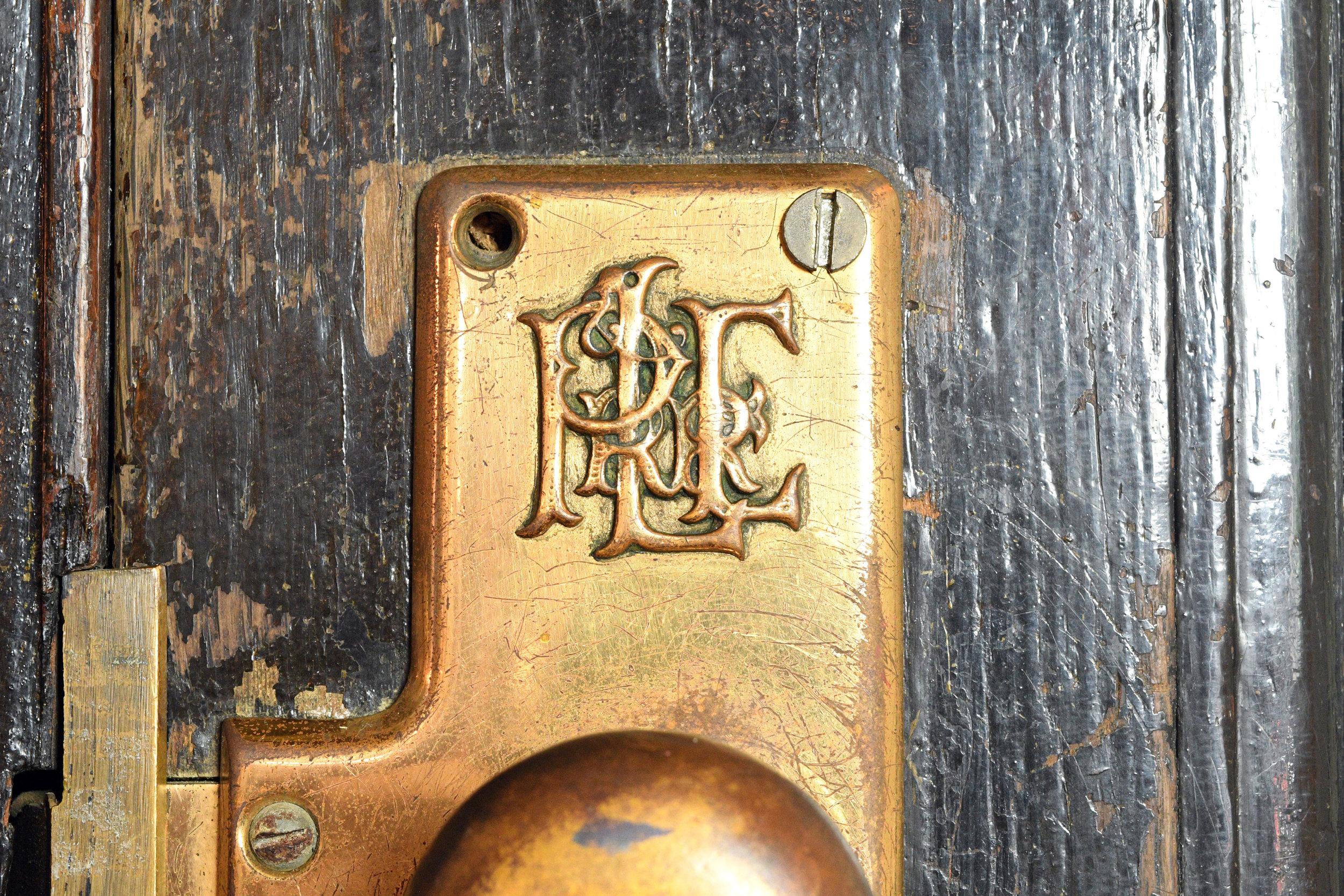 47932-ple-railroad-double-doors-plerr.jpg