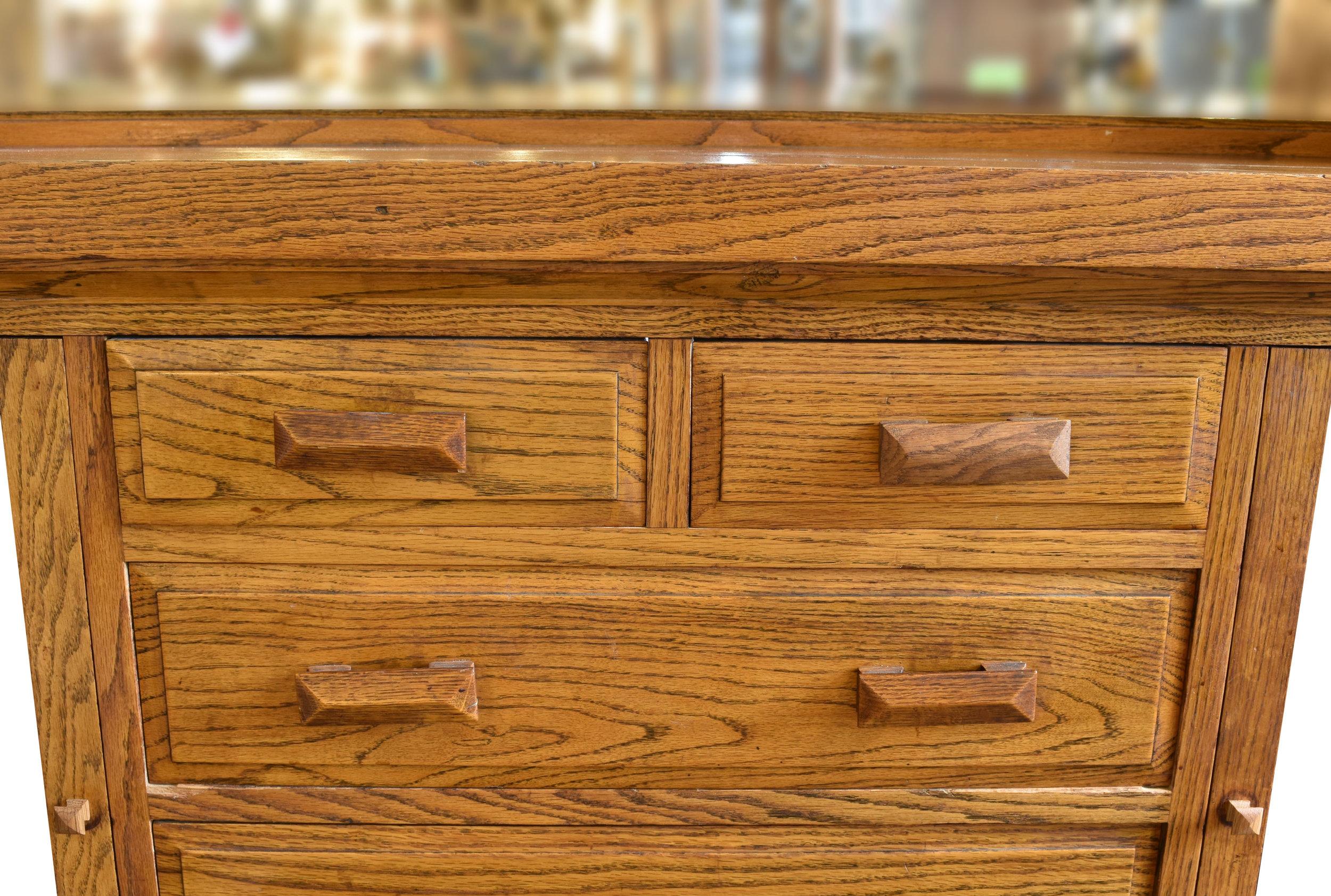 48101_oak_craftsman_buffet_detail1.jpg
