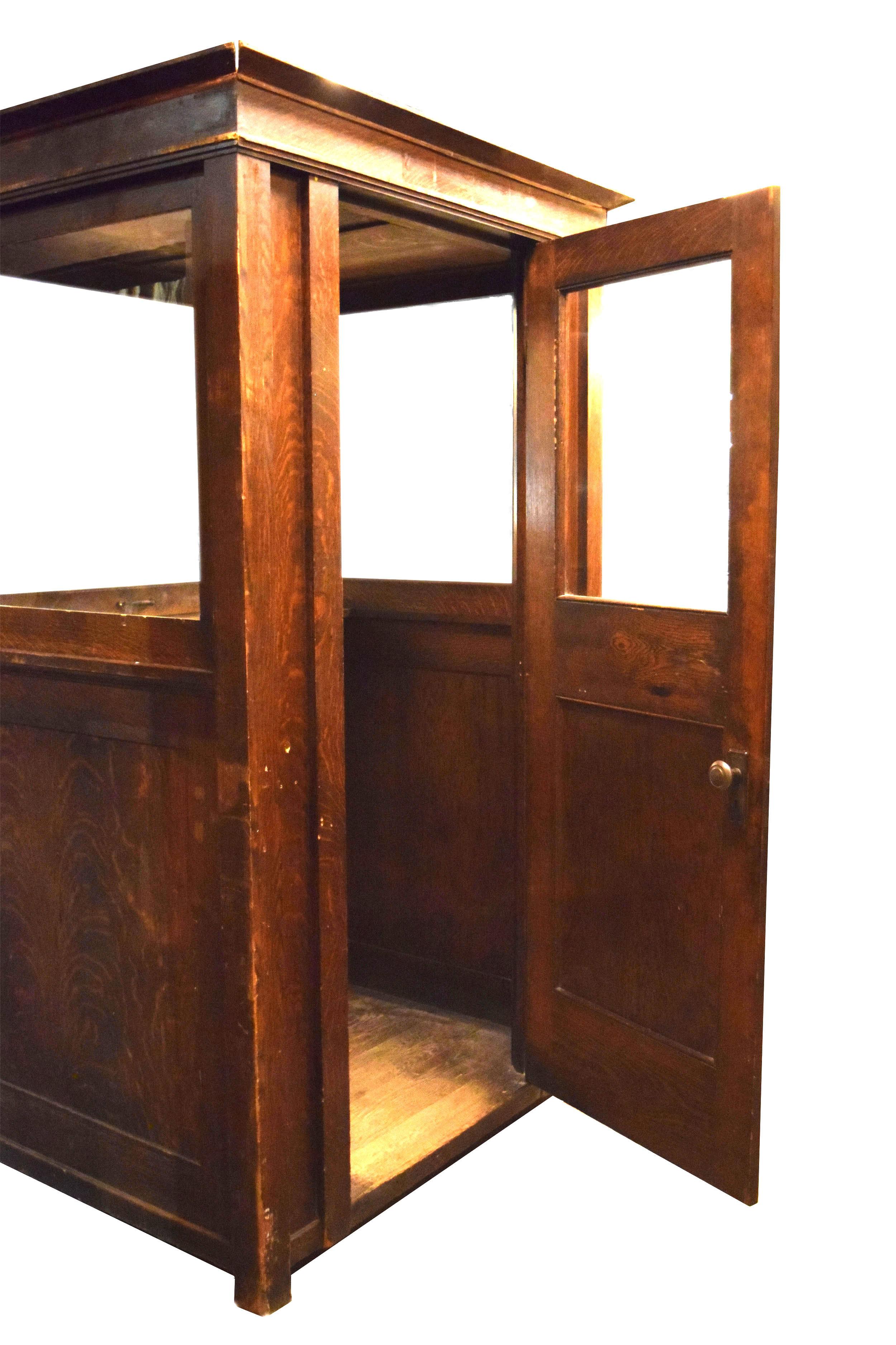 48050-oak-ticket-booth-open.jpg