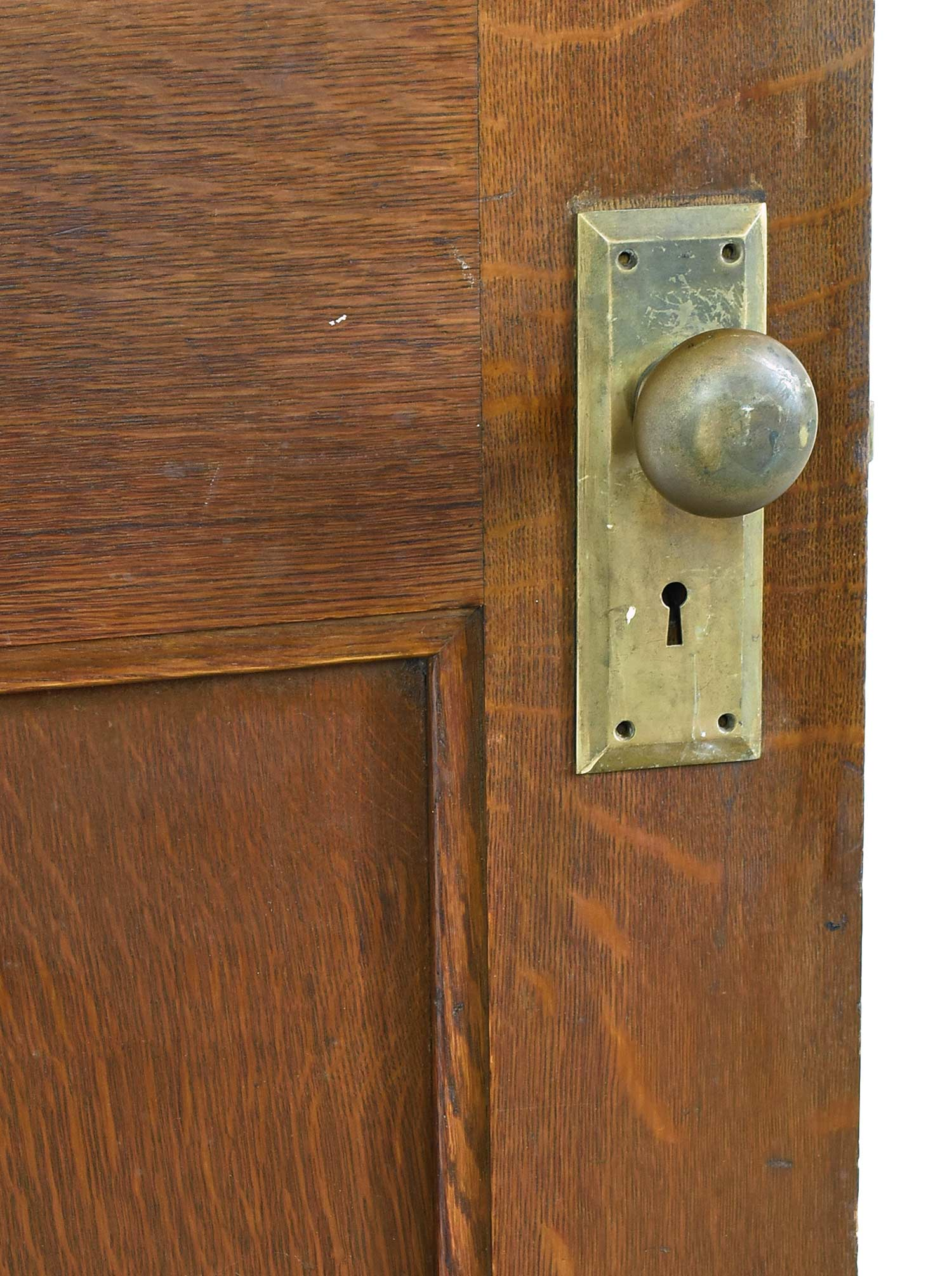 46159-wide-quartersawn-half-view-oak-door-knob.jpg