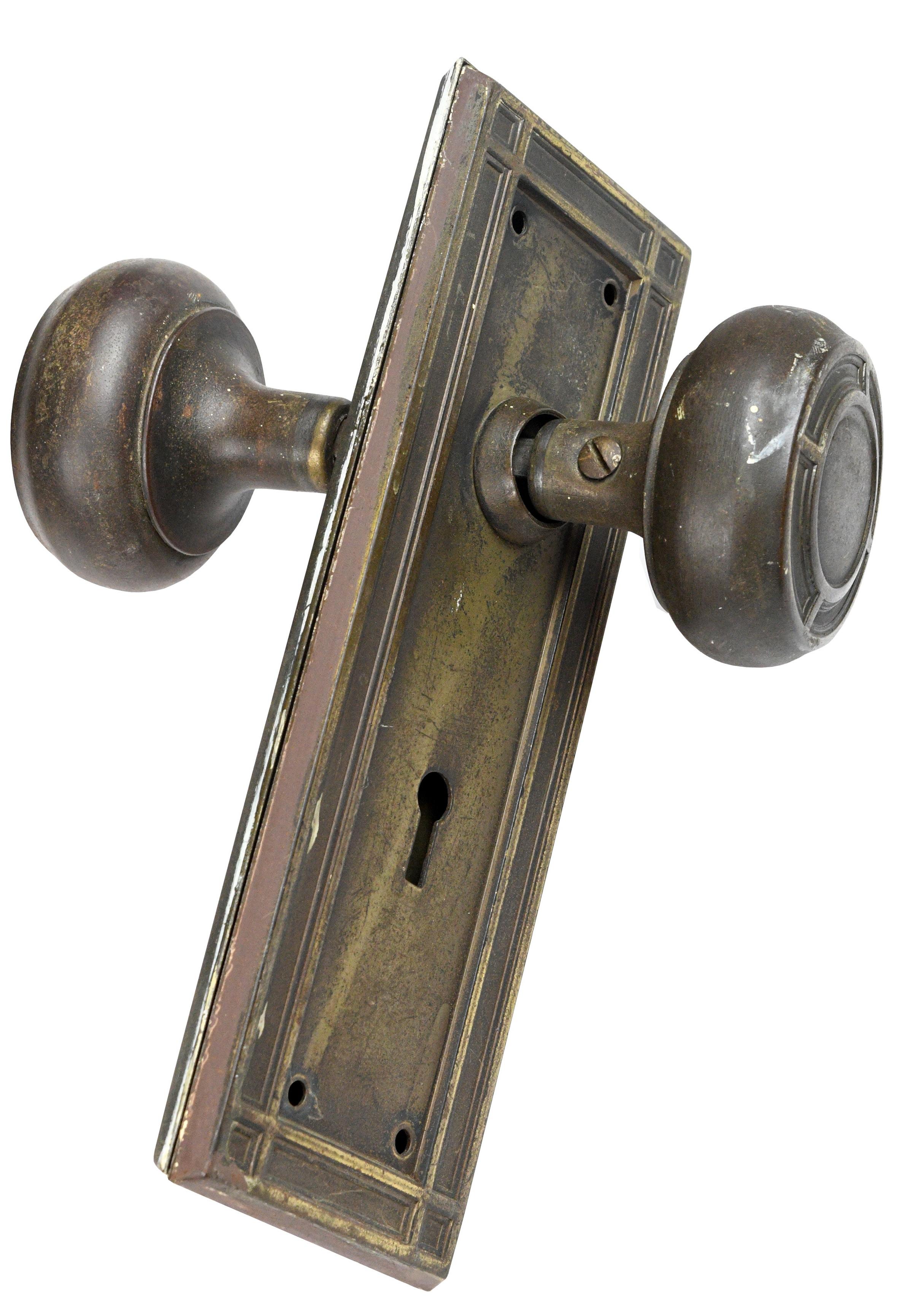 H20180-iron-knob-set-full-view.jpg