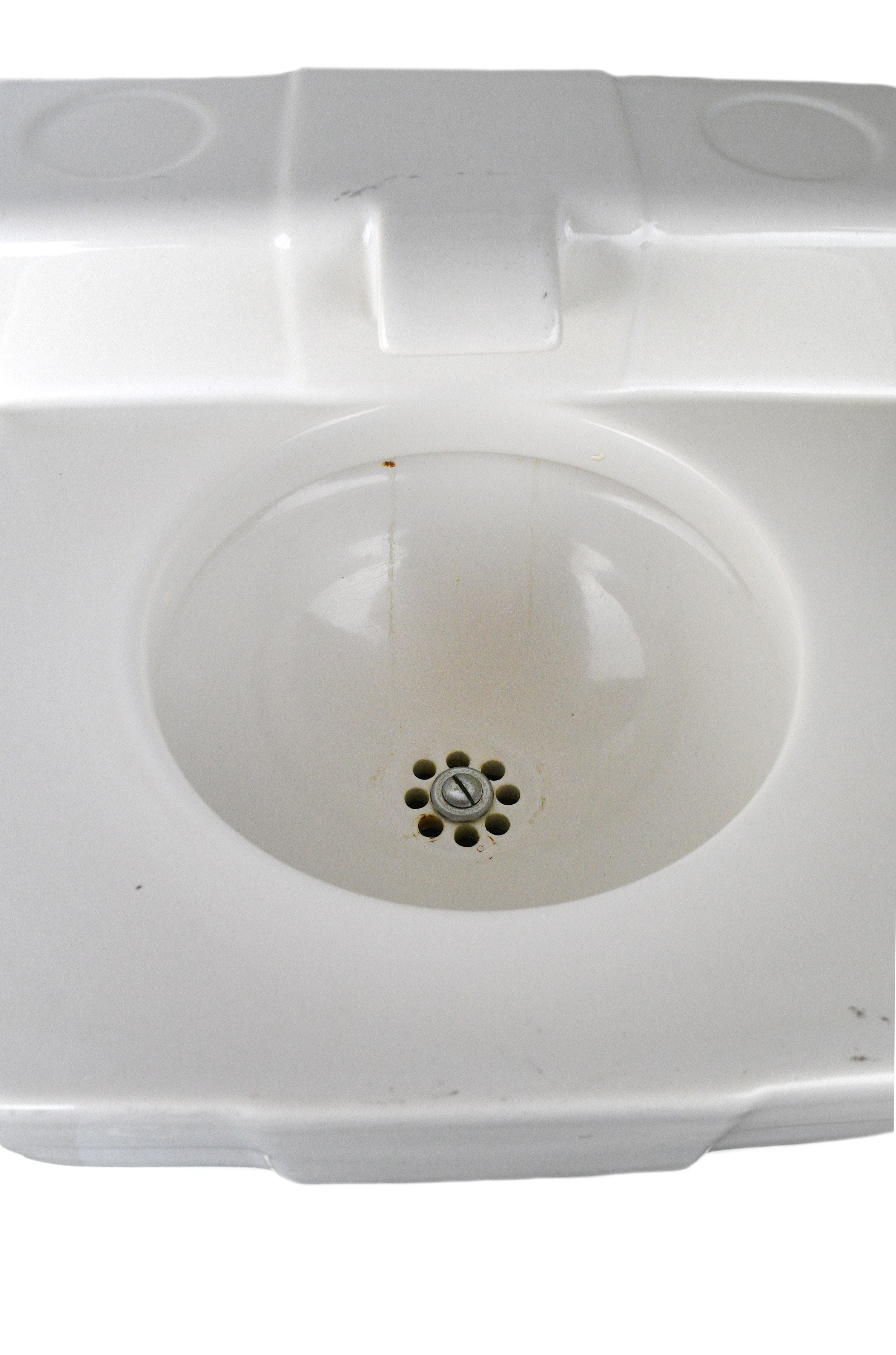 petite-sink-3.jpg