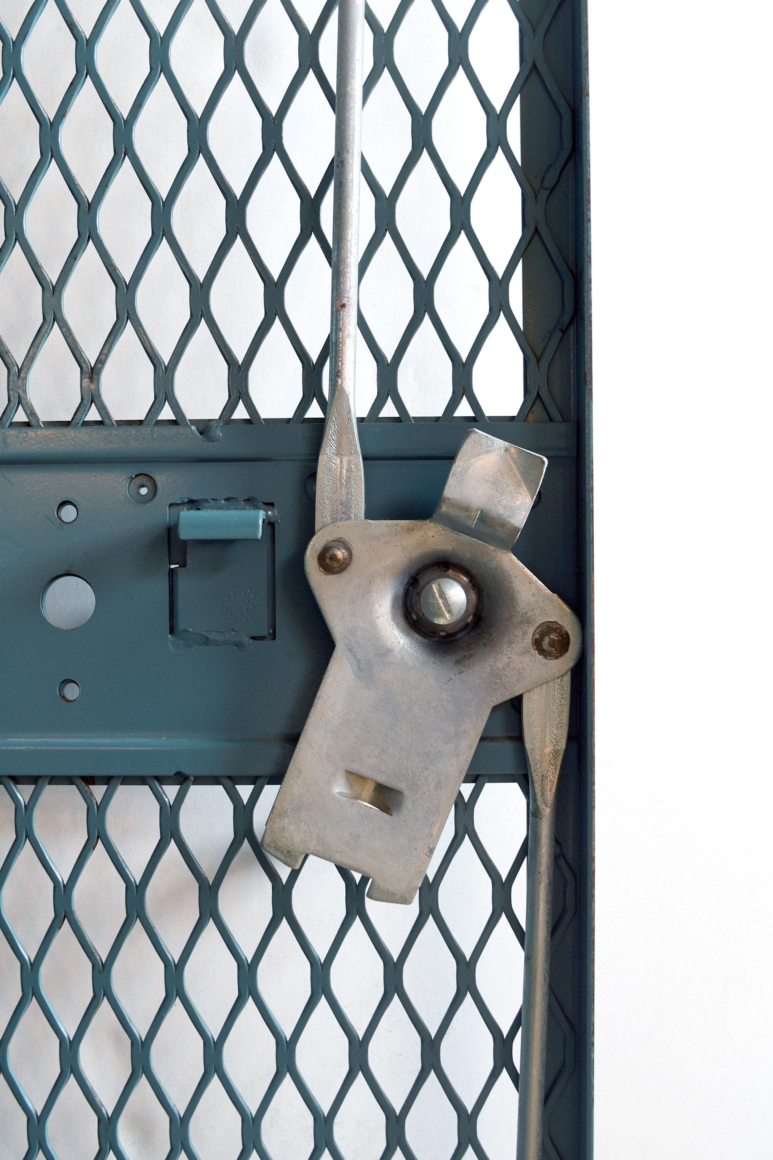 48325-inside-lock.jpg
