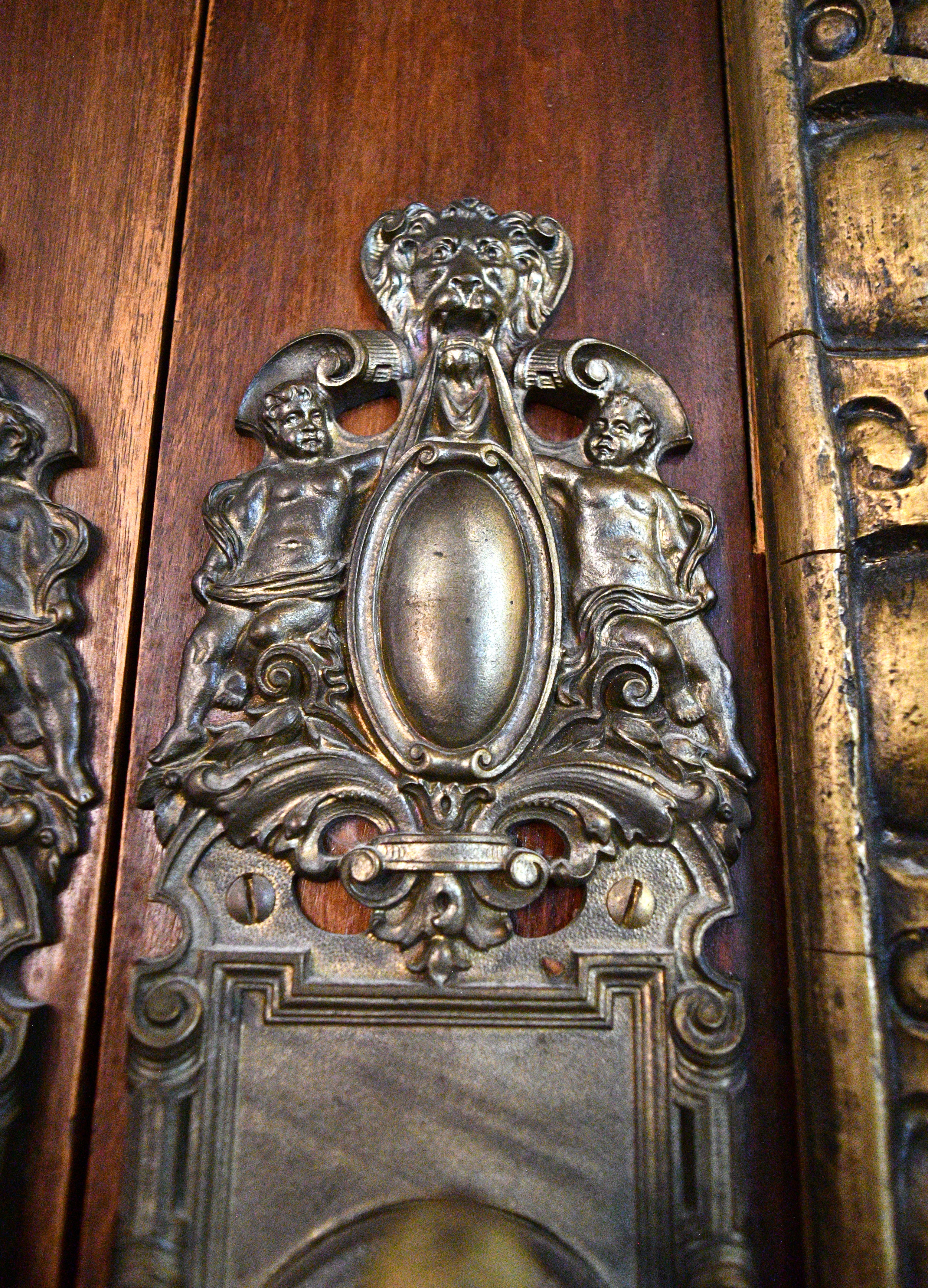 plaster-ornamentation-door-4.jpg