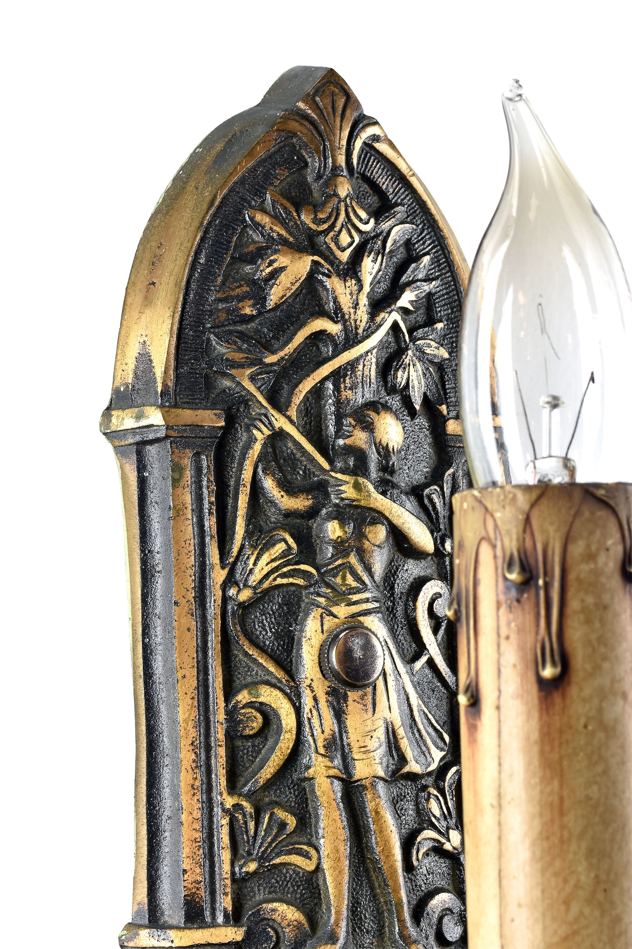 48426 single candle bronze archer sconce close.jpg