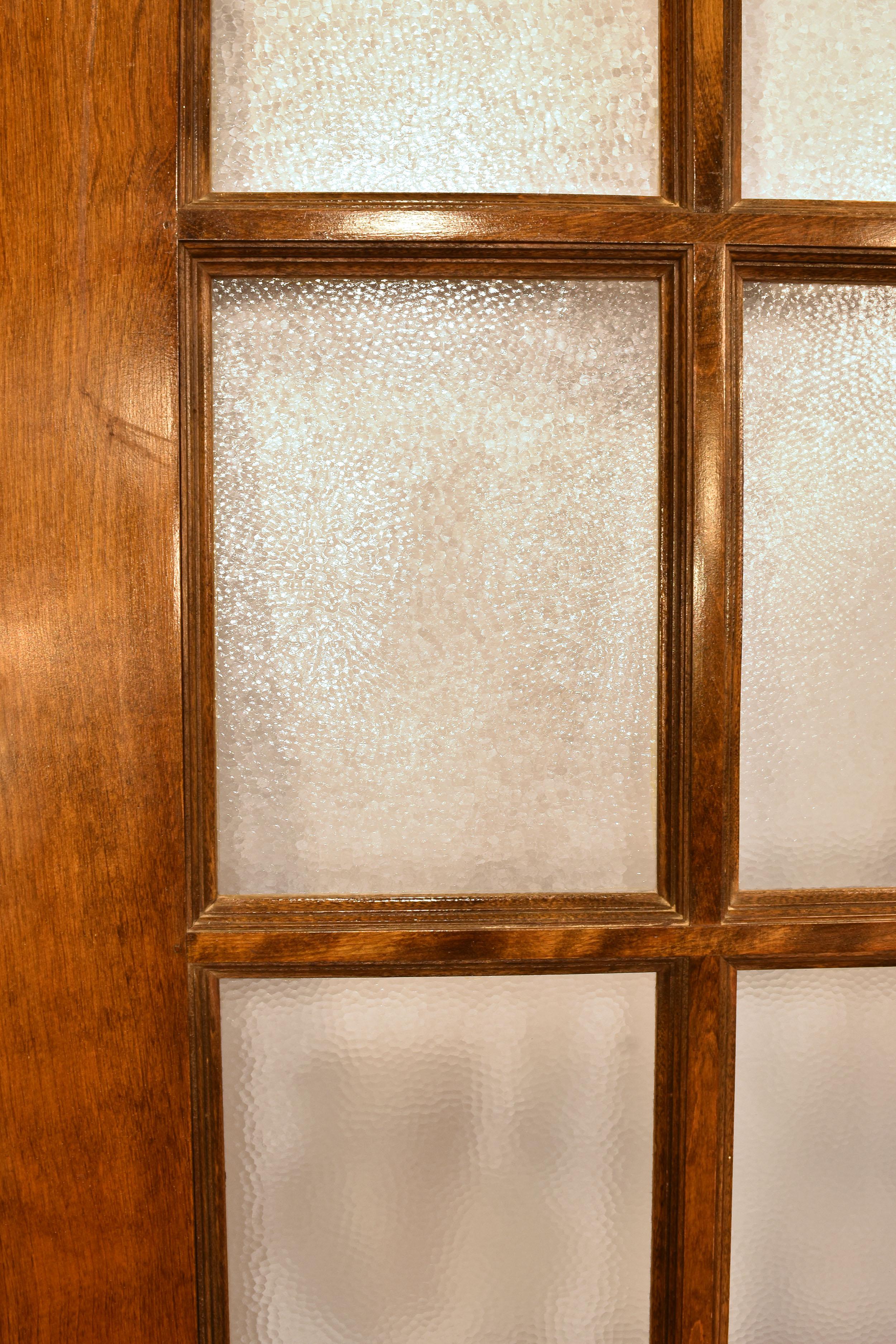 48393 double door pebble closeup.jpg