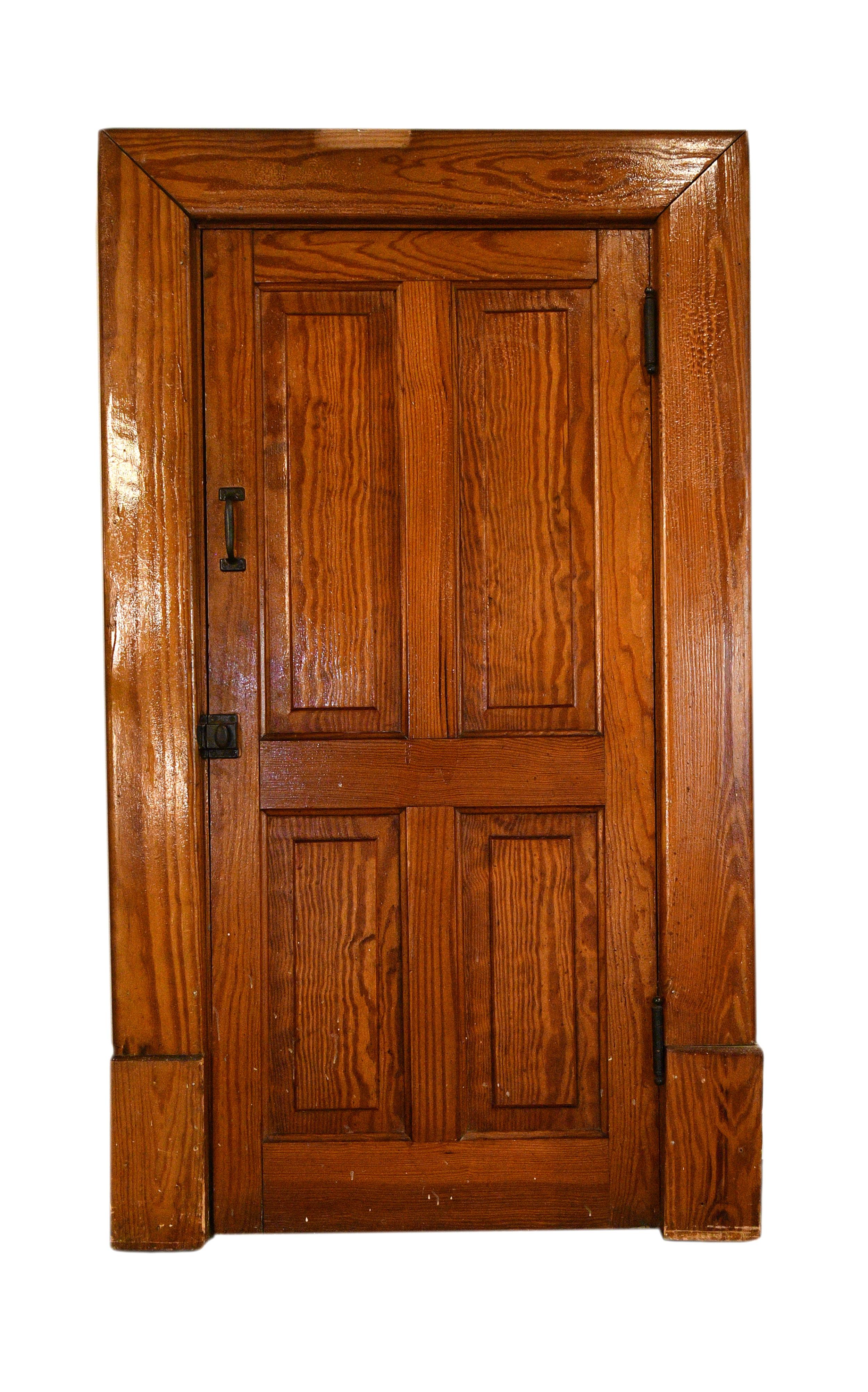 Petite closet door