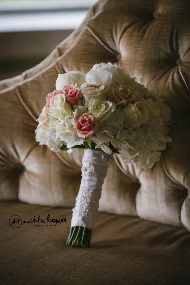 rose and hydrangea wedding bouquet