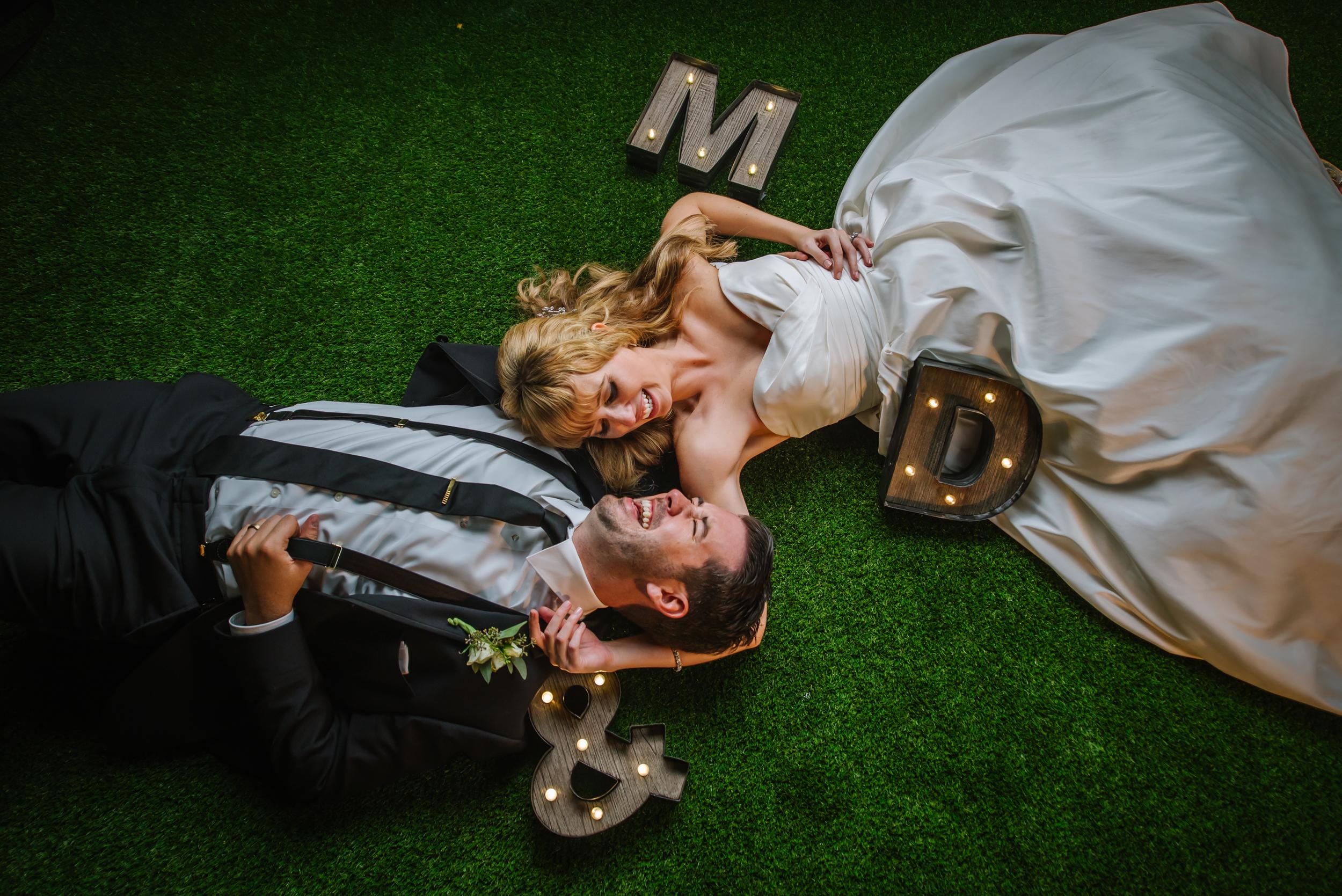 tampa-wedding-photographer-hotel-zamora-sunken-gardens-colorful-fun-green