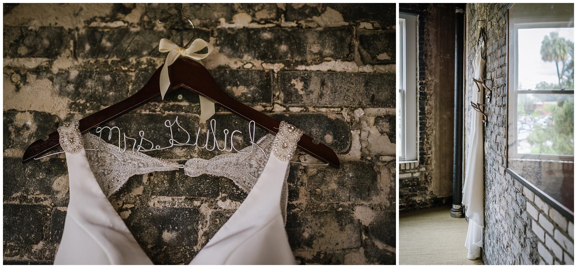 Oxford-exchange-wedding-photogapher-garland-candels-bookstore-burgandy-botanica_0005.jpg