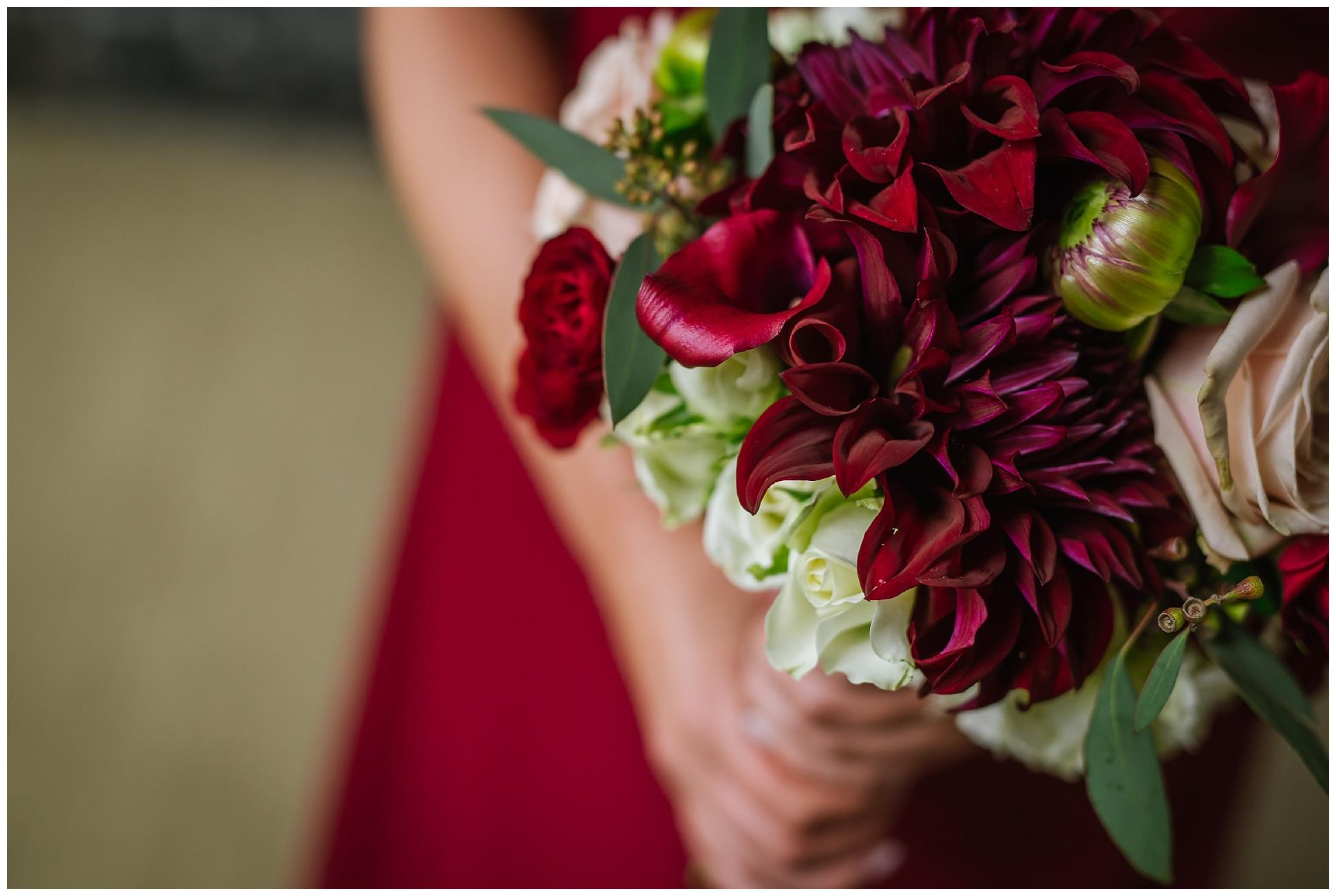 Oxford-exchange-wedding-photogapher-garland-candels-bookstore-burgandy-botanica_0012.jpg