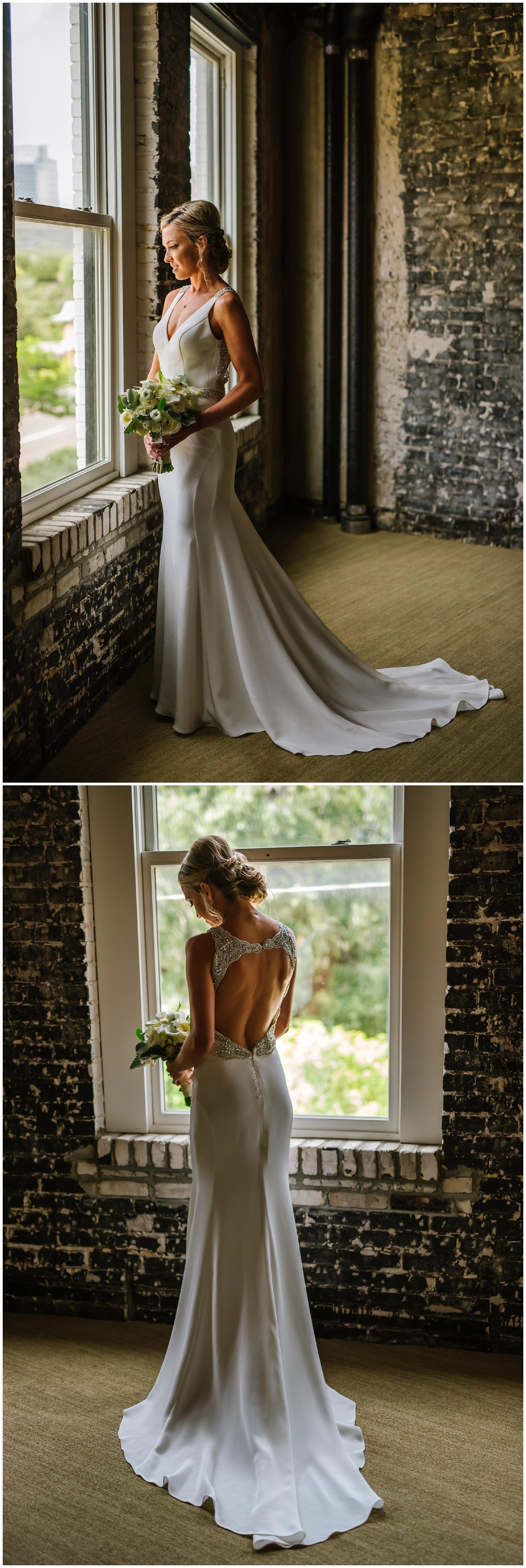 Oxford-exchange-wedding-photogapher-garland-candels-bookstore-burgandy-botanica_0018.jpg