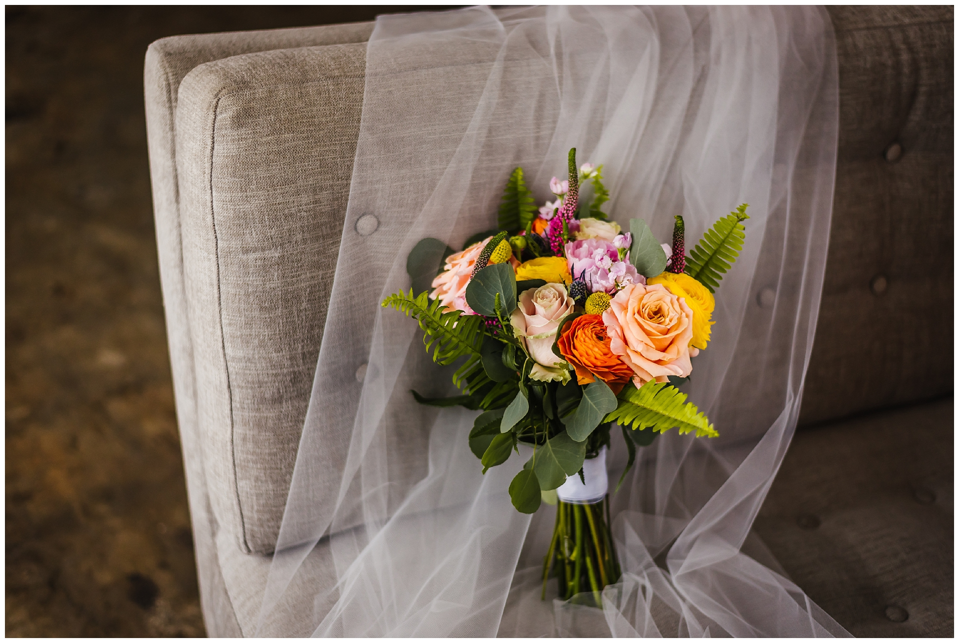 Tampa-wedding-photographer-vera-wang-flower-crown-post-card-inn_0002.jpg
