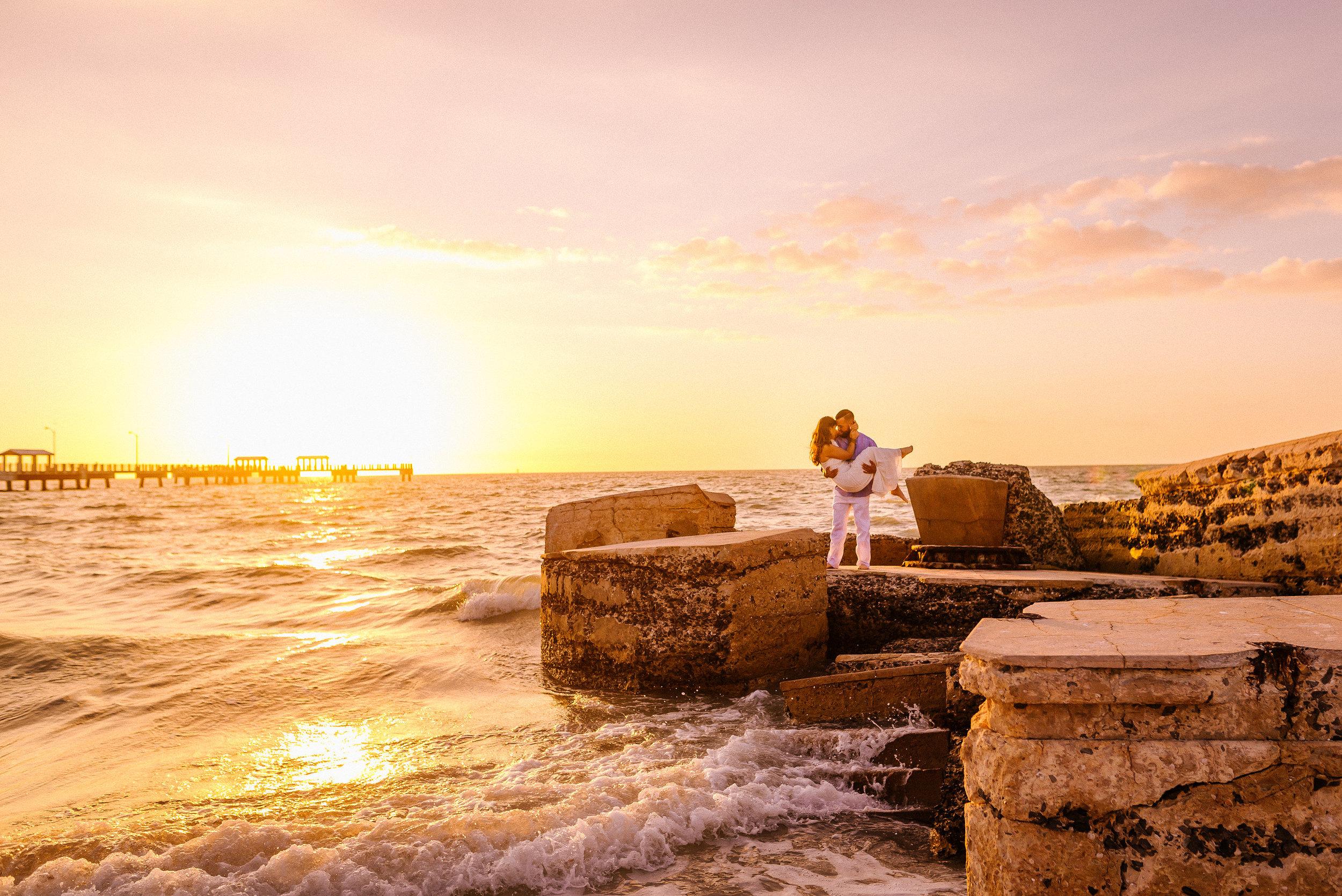 Tampa-Engagement-Photographer-Fort-De-Soto-Sunset-Romantic.jpg