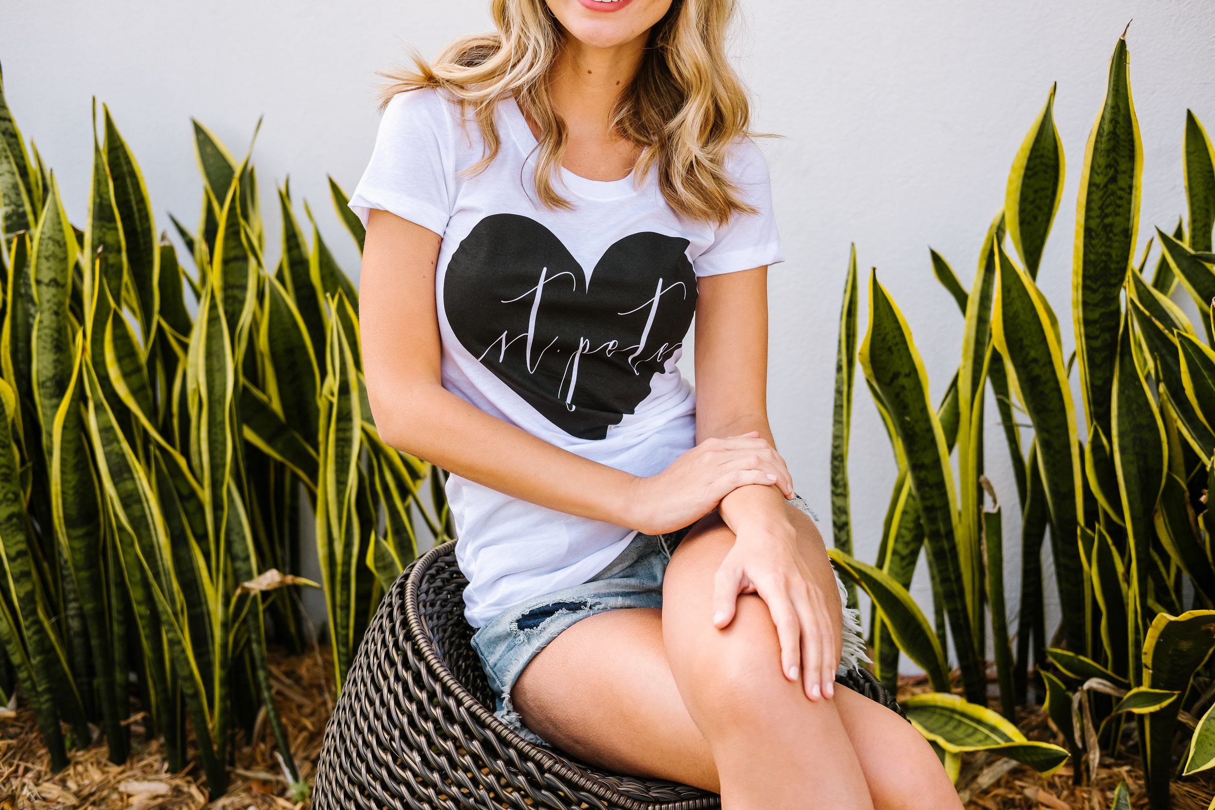 Tampa-Commercial-Photography-Canvas-Summer-Tee-Style.jpg
