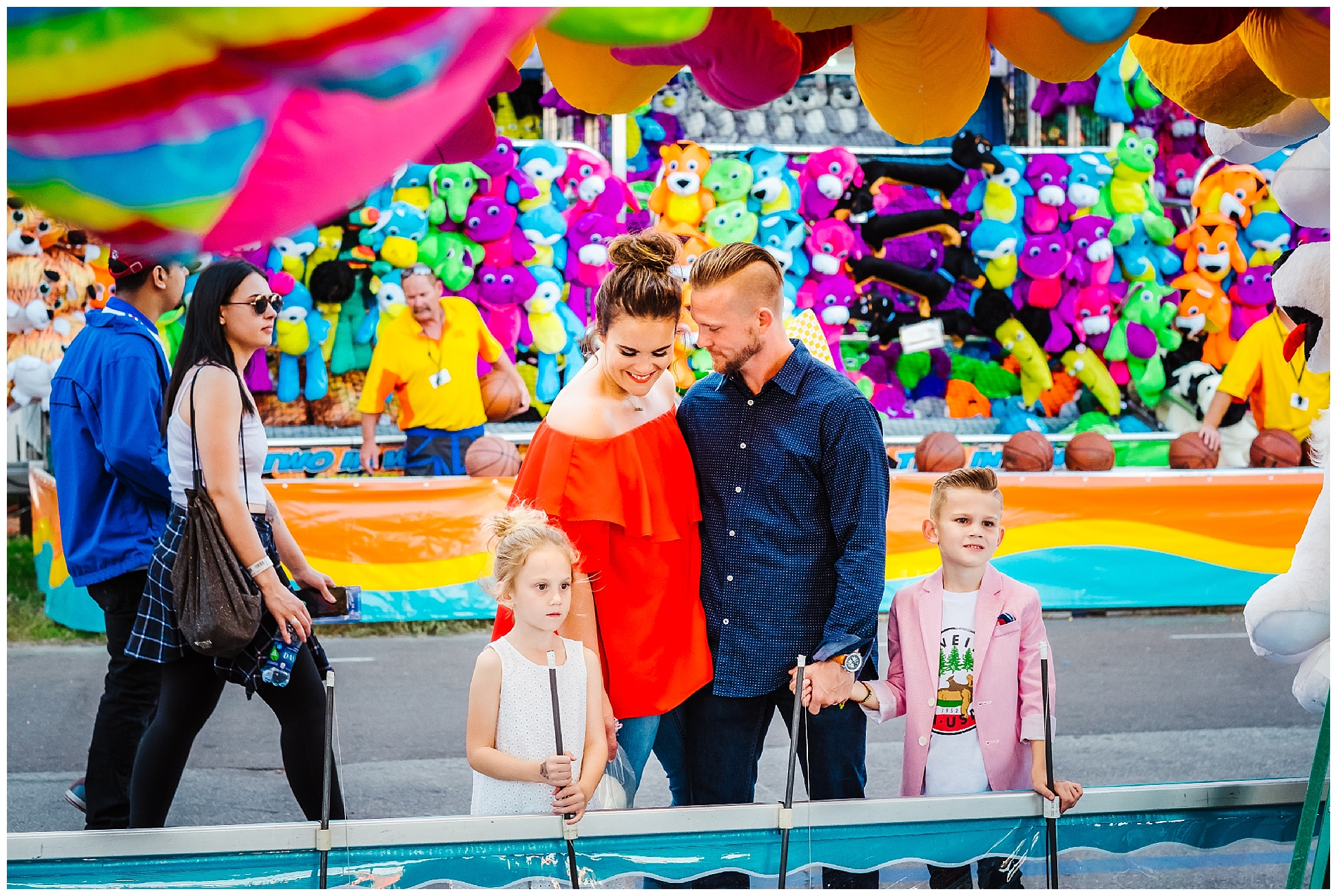 Tampa-colorful-fair-amusement park-family session_0024.jpg