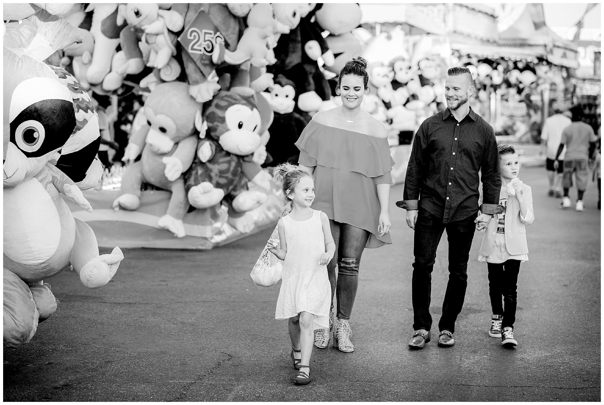 Tampa-colorful-fair-amusement park-family session_0030.jpg