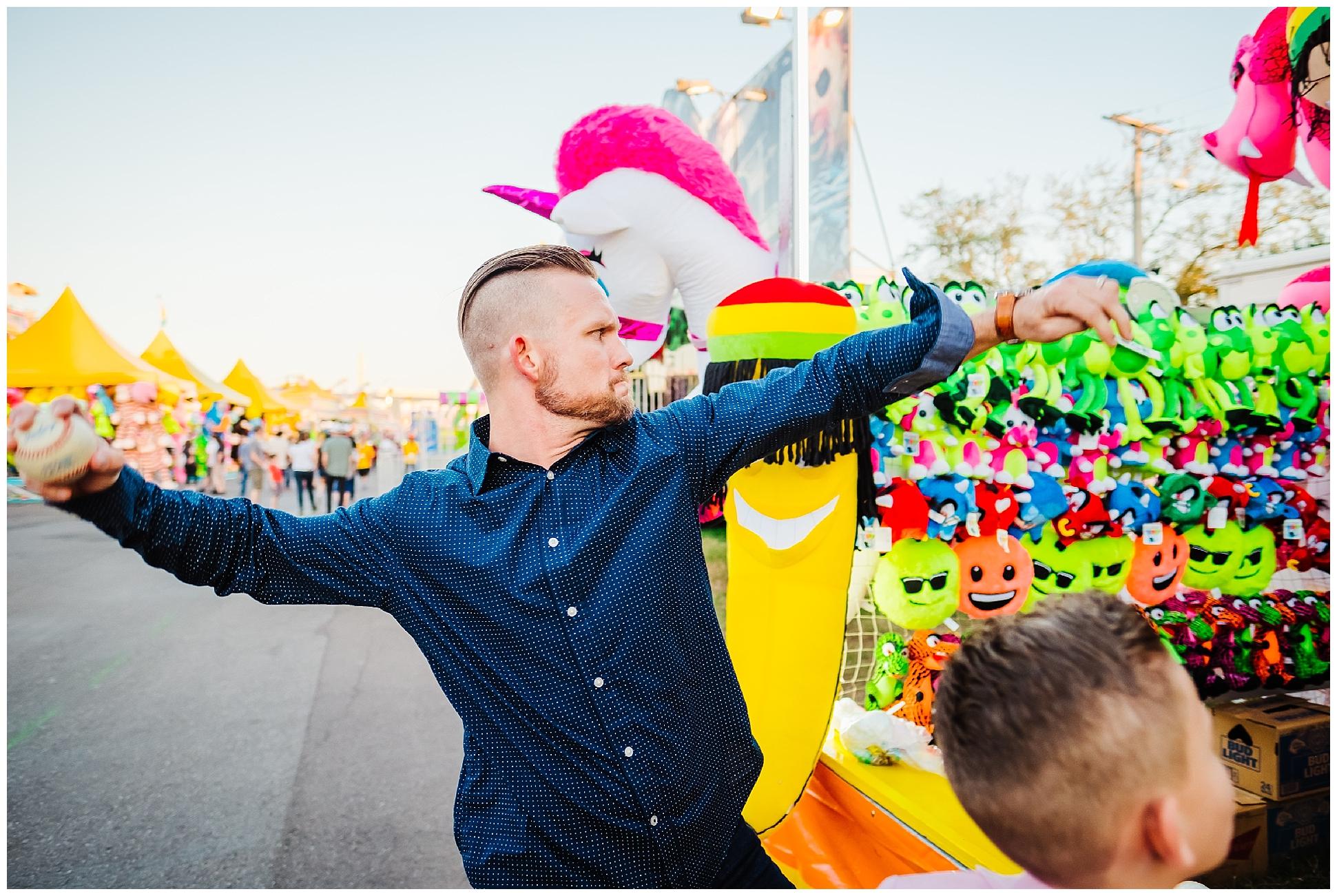 Tampa-colorful-fair-amusement park-family session_0034.jpg