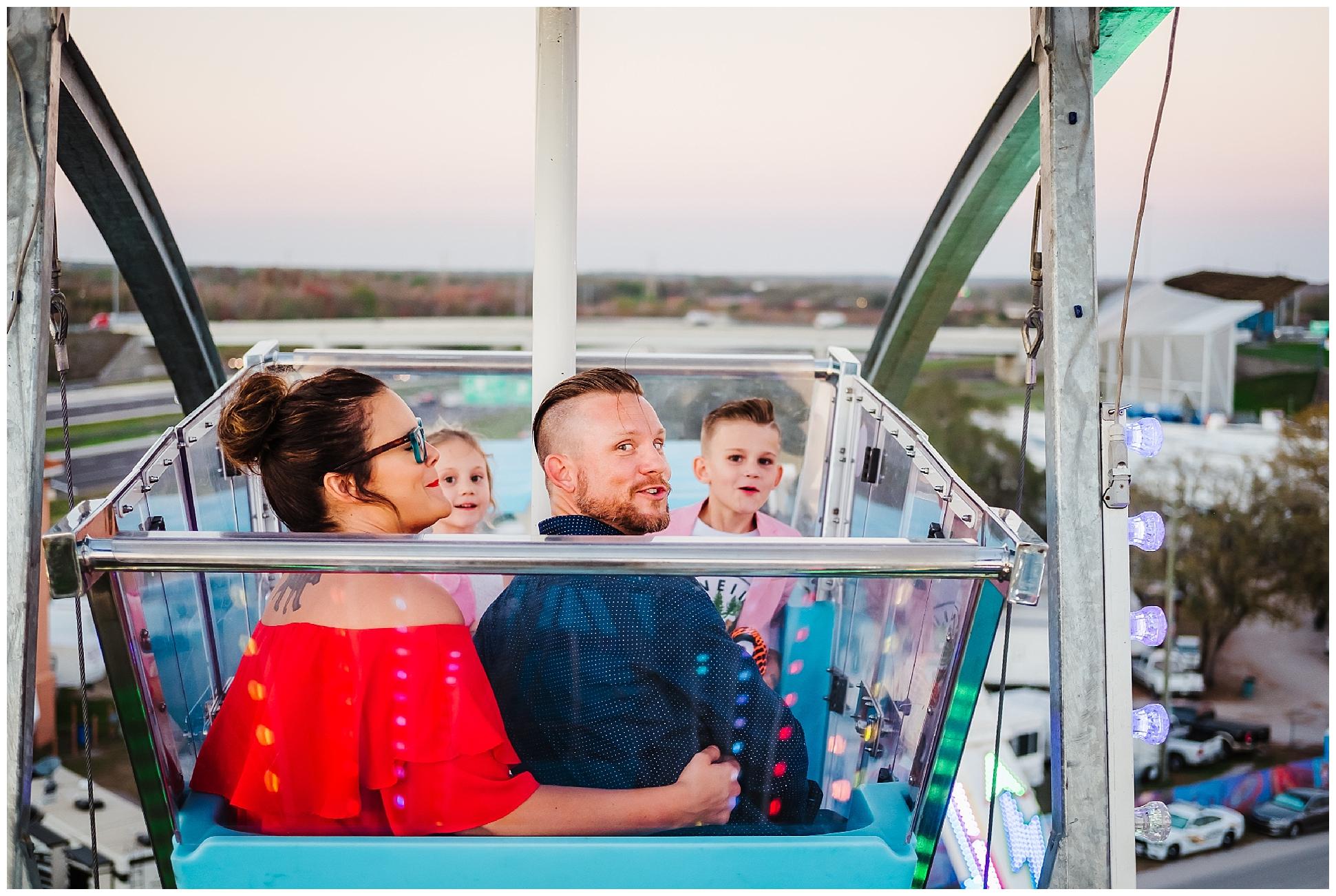 Tampa-colorful-fair-amusement park-family session_0039.jpg